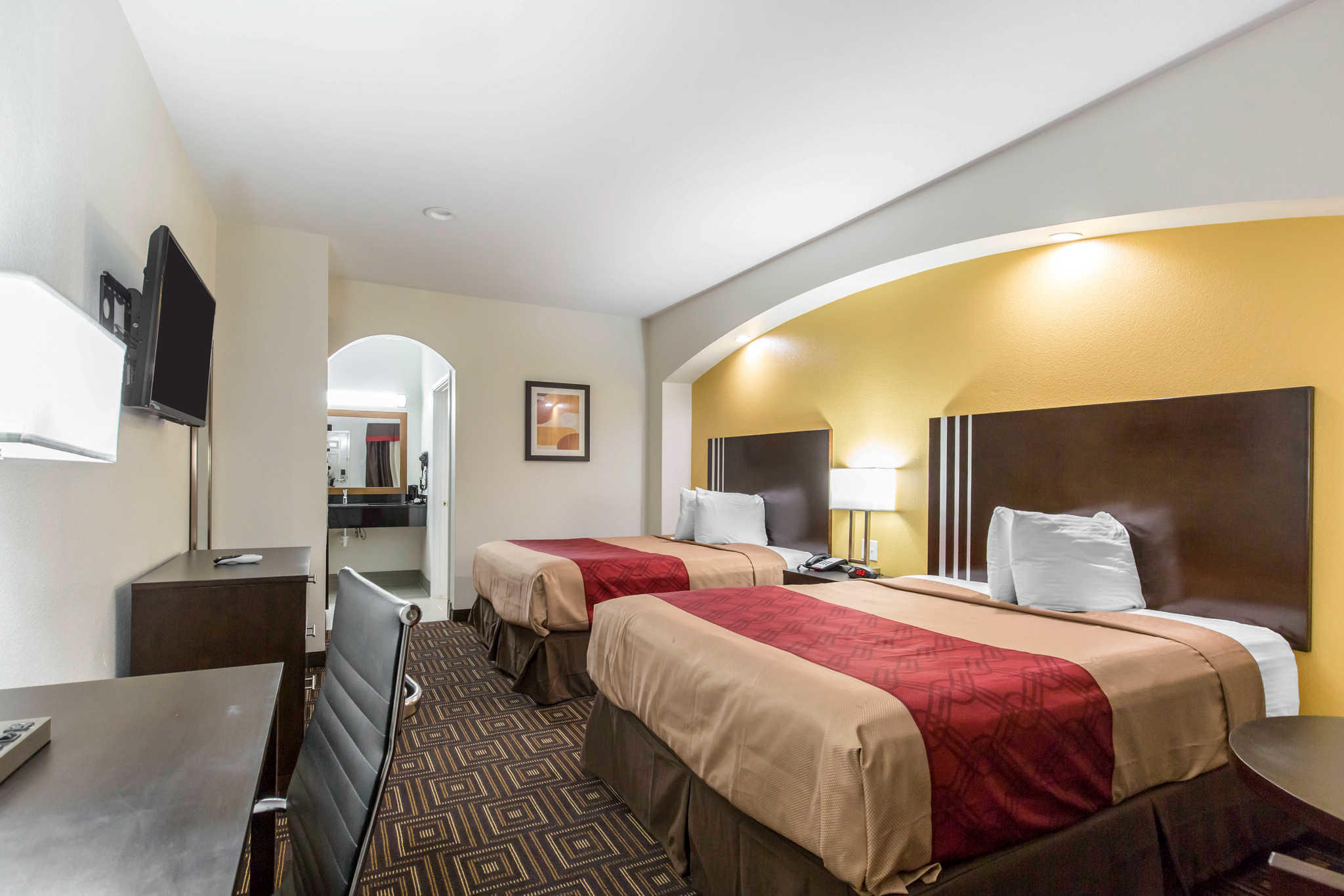 Econo Lodge Inn & Suites Spring - Houston North image 4