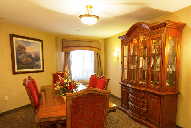 River Woods Place image 6