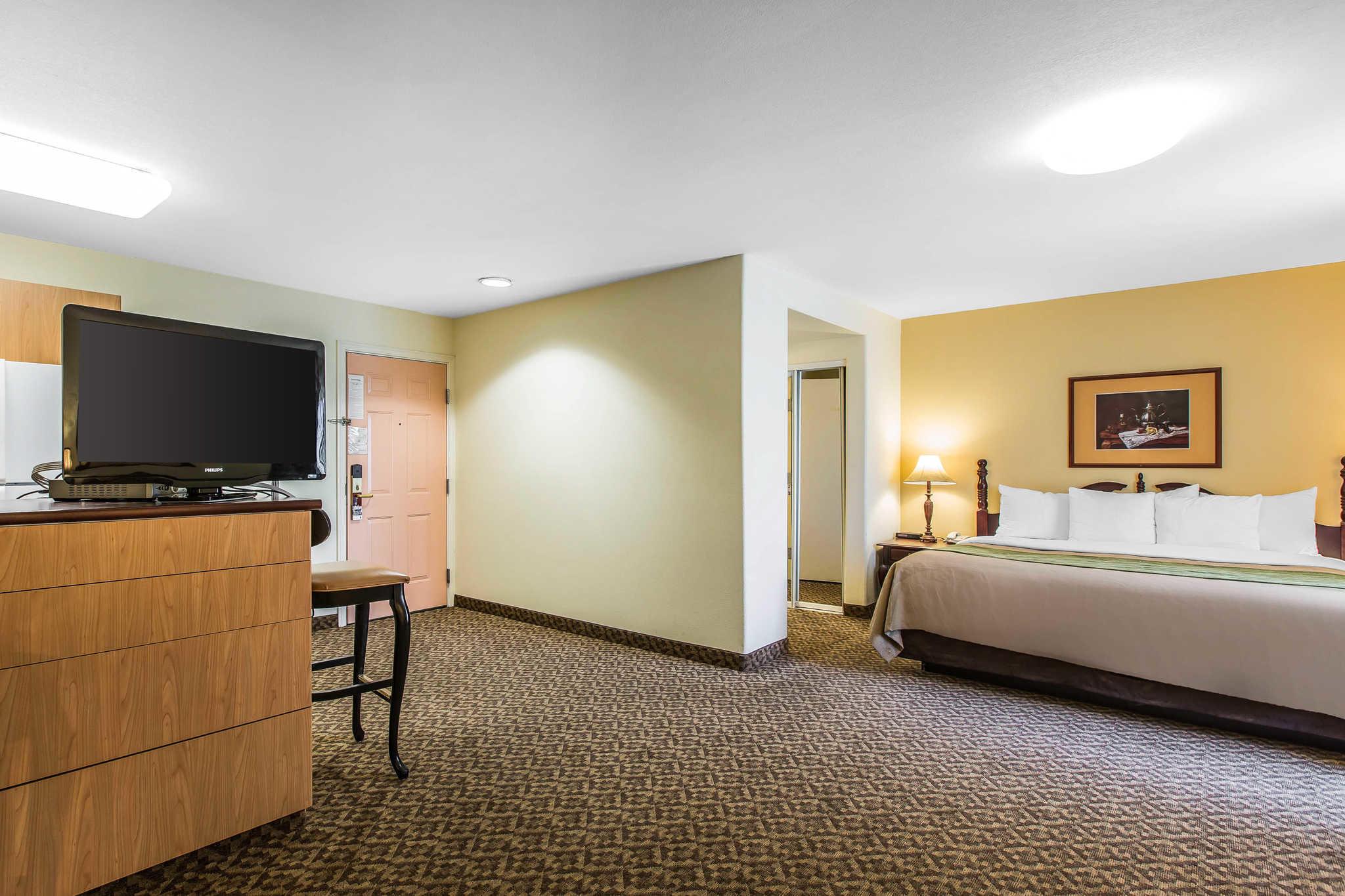 Comfort Inn & Suites El Centro I-8 image 8