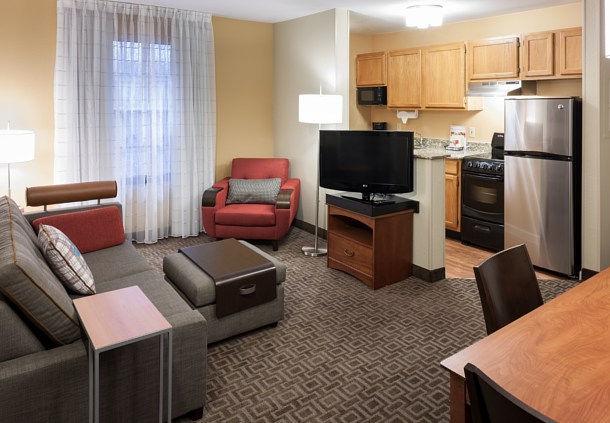 TownePlace Suites by Marriott Dallas Las Colinas image 5