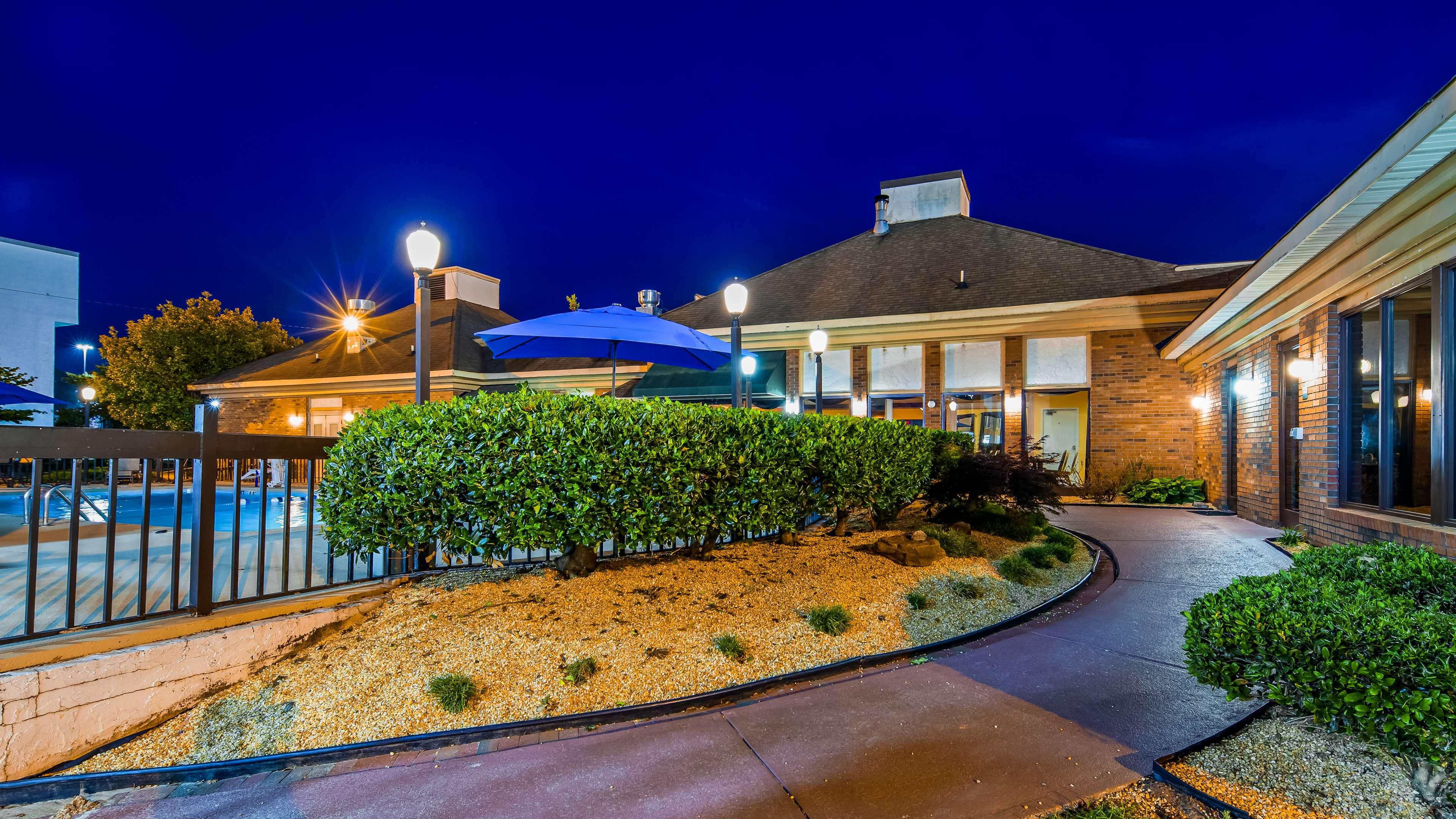 SureStay Plus Hotel by Best Western Fayetteville image 8
