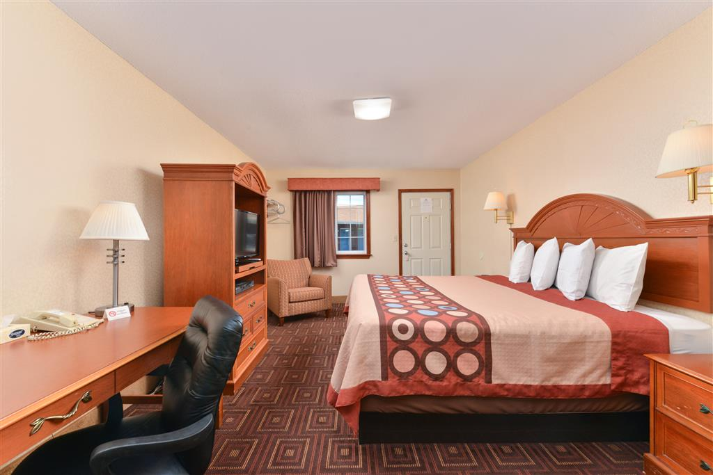 Americas Best Value Inn - Branford image 3