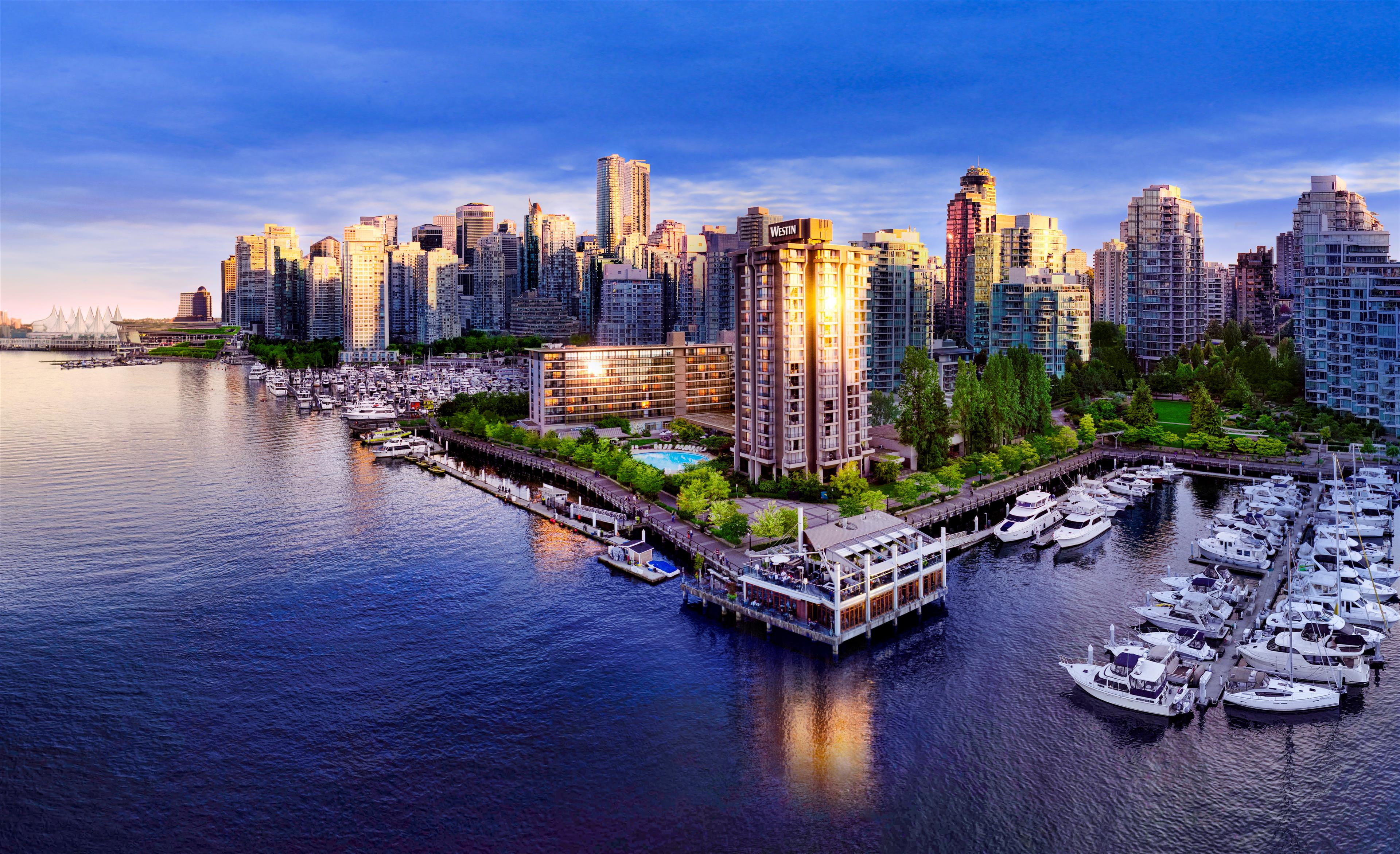 The Westin Bayshore, Vancouver in Vancouver: The Westin Bayshore Vancouver Exterior