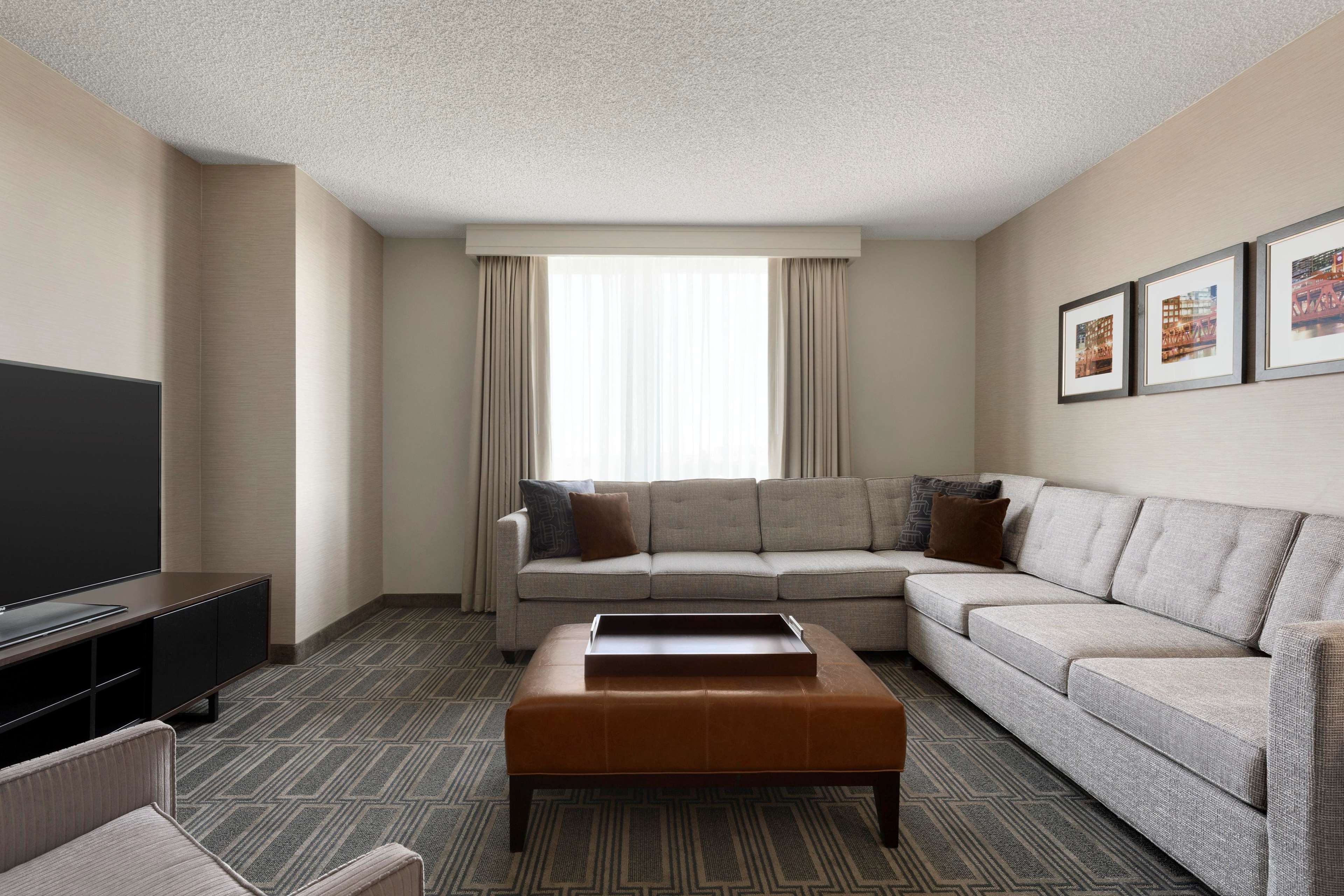 Embassy Suites by Hilton Chicago Lombard Oak Brook image 35