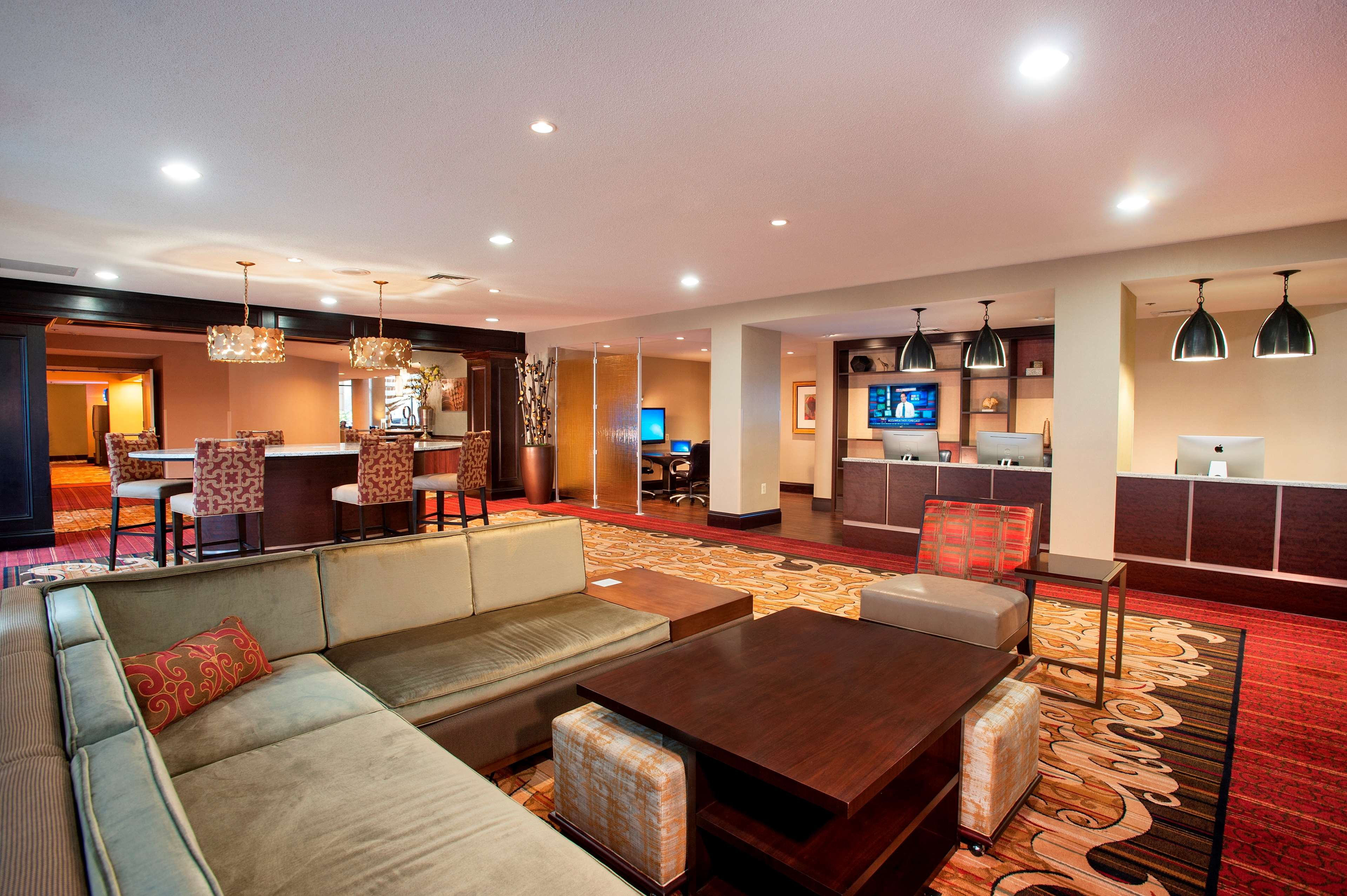 DoubleTree by Hilton McLean Tysons image 5