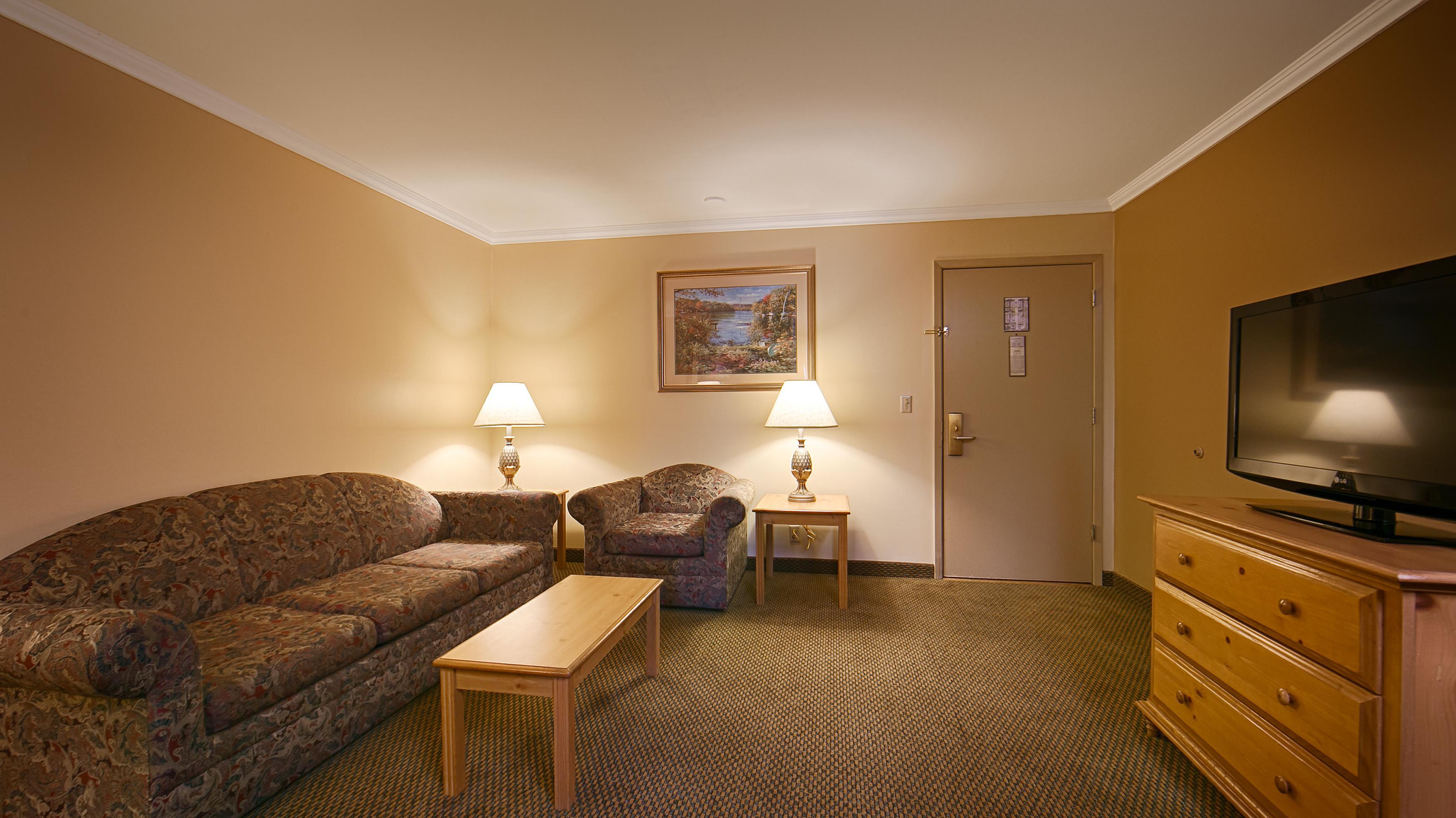 Best Western Inn & Suites image 20