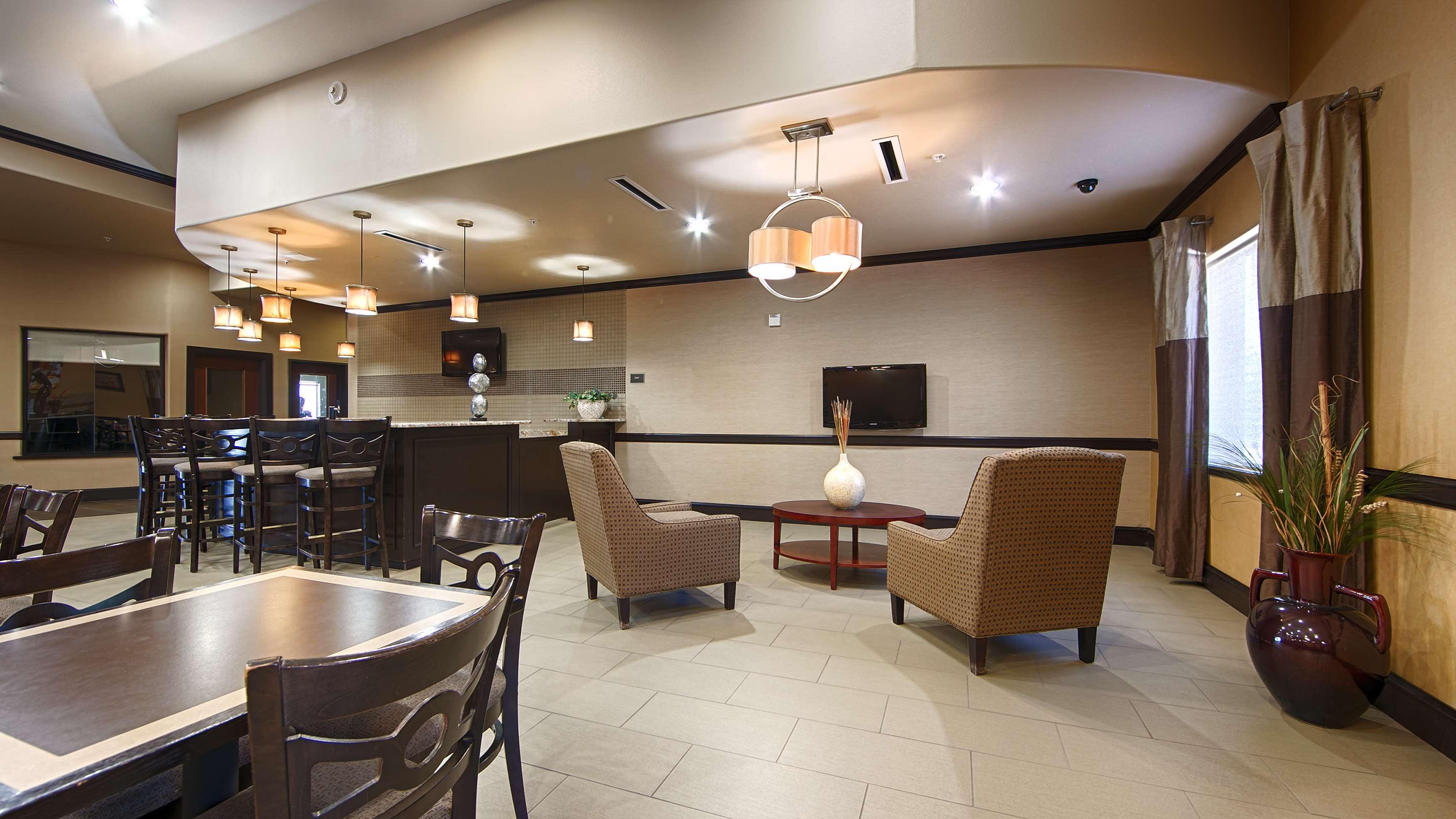 Best Western Plus Texoma Hotel & Suites image 32
