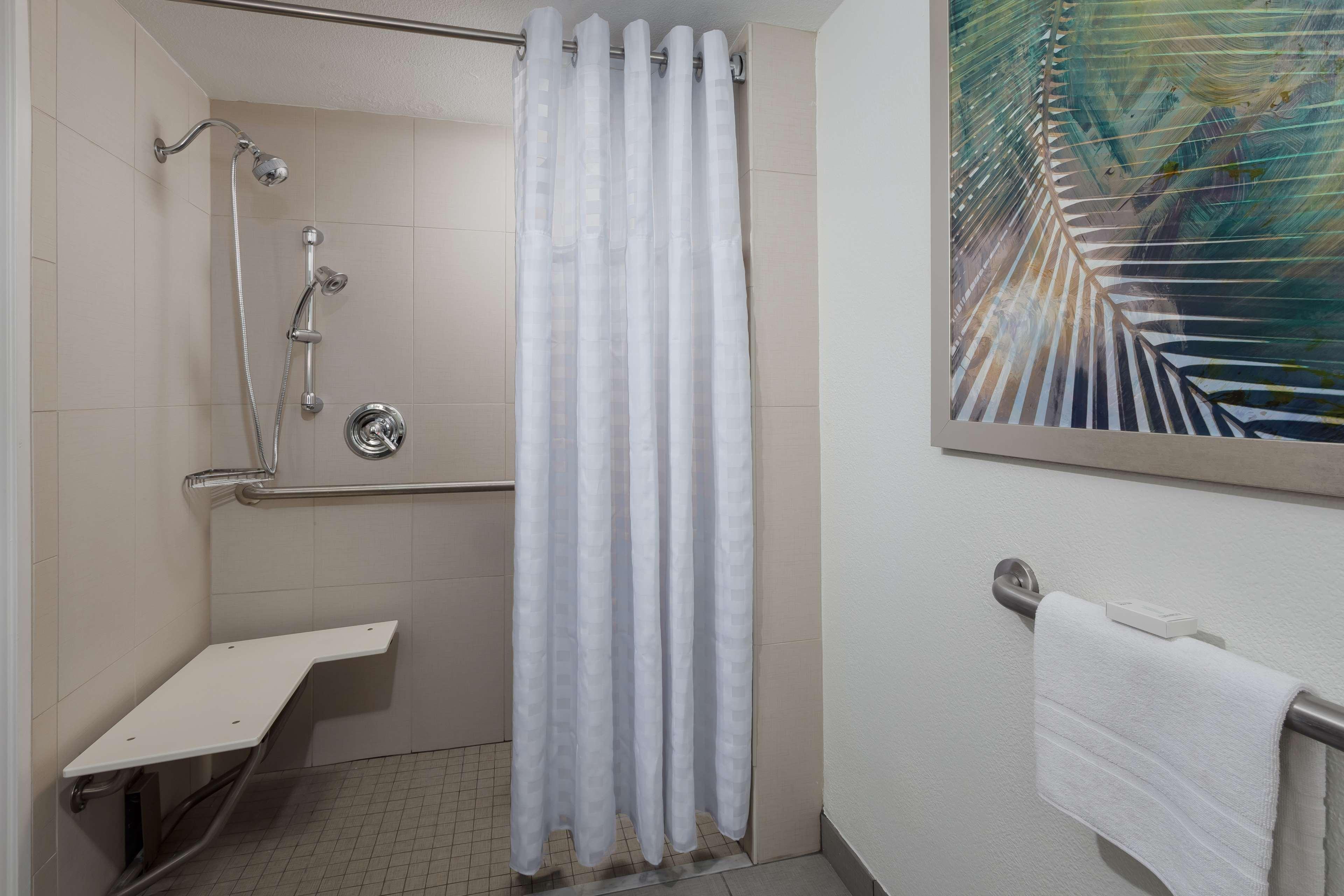 Embassy Suites by Hilton Orlando Lake Buena Vista Resort image 21