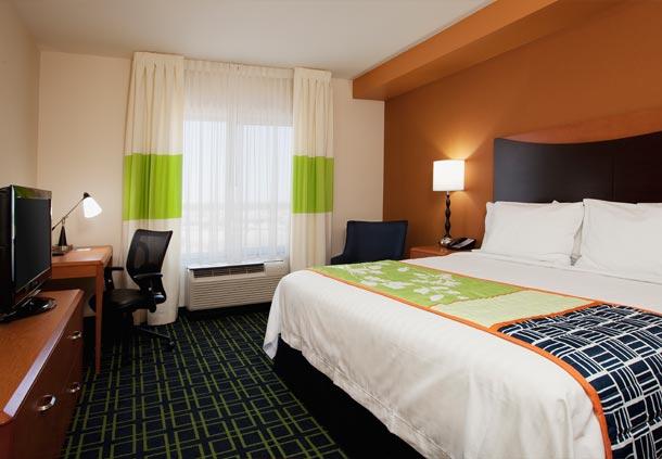 Fairfield Inn & Suites by Marriott Phoenix Chandler/Fashion Center image 2