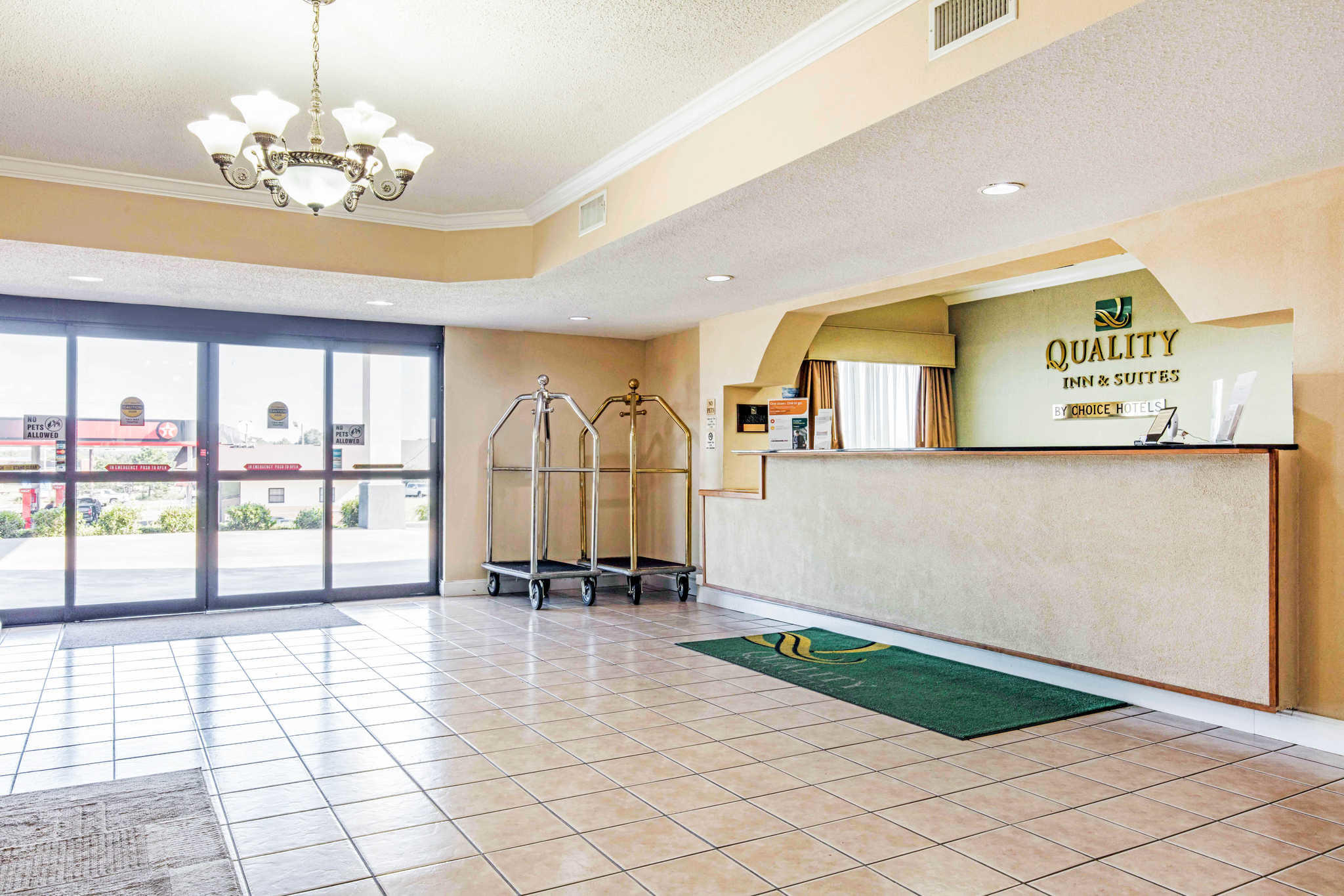 Quality Inn & Suites Jackson Int'l Airport image 6