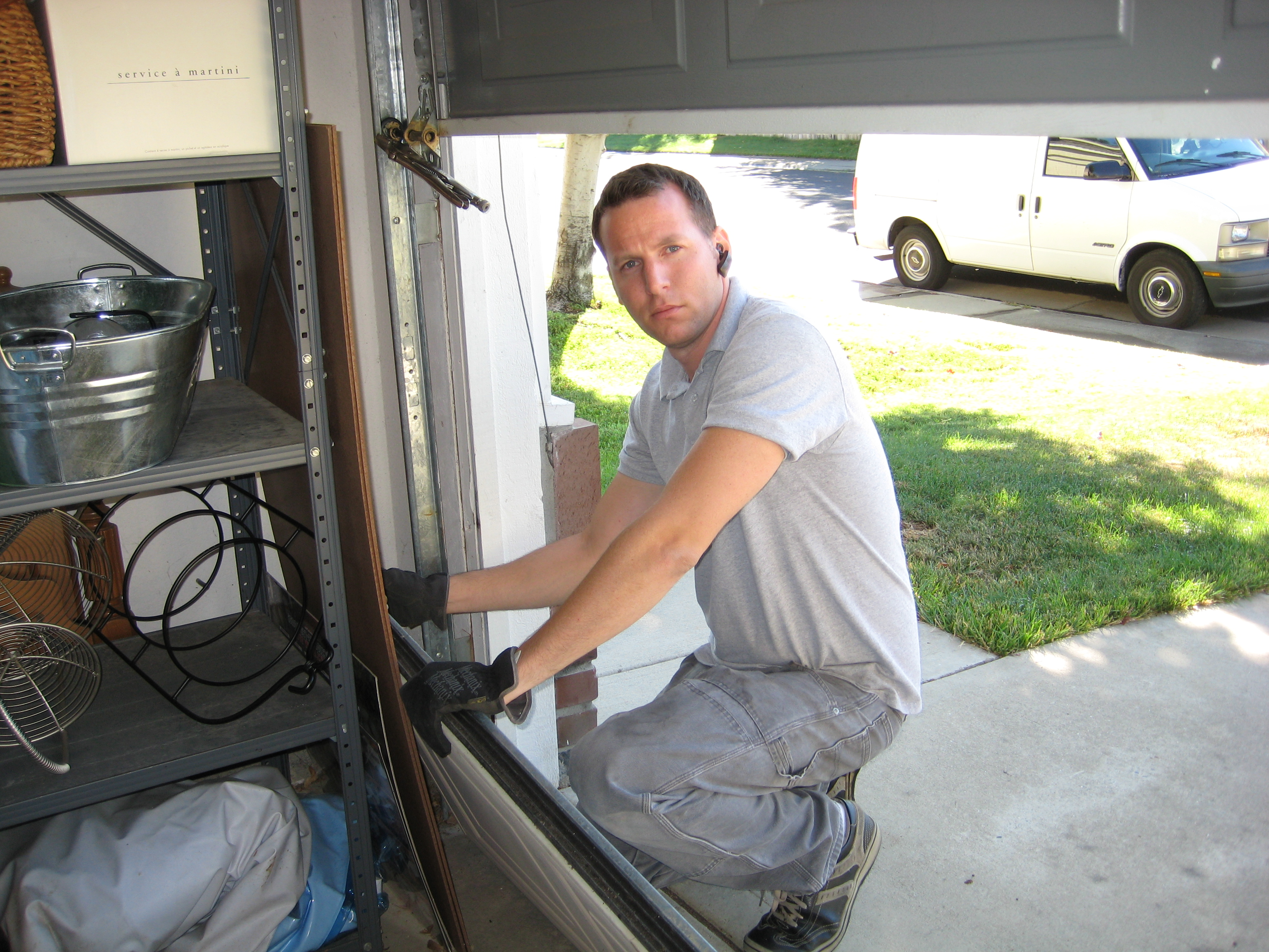 Garage door repair dallas tx 3844 rolling hills dr for Garage door repair plano