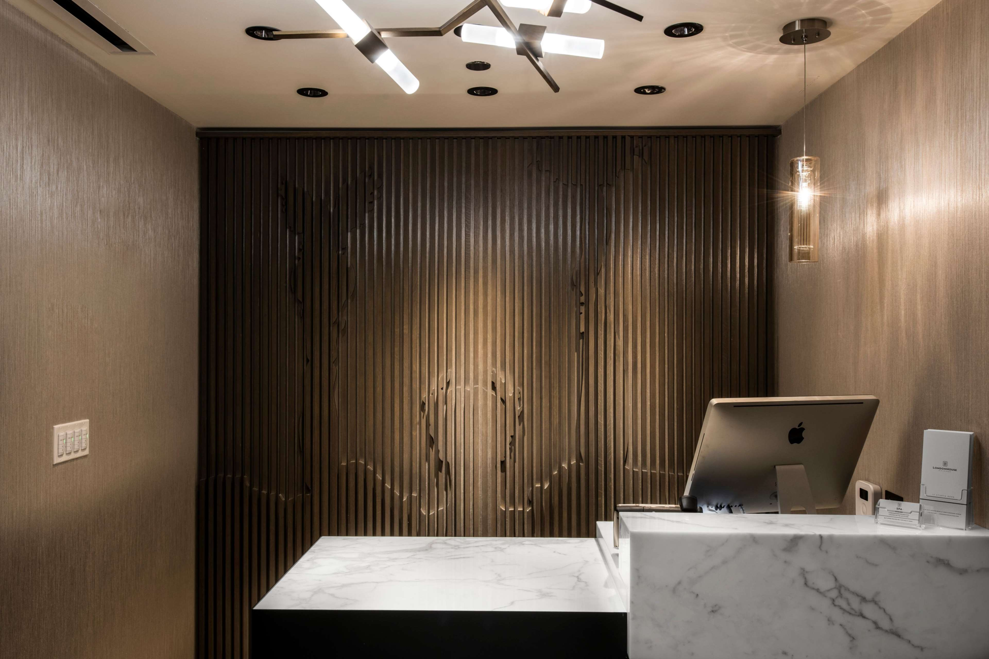 LondonHouse Chicago, Curio Collection by Hilton image 37