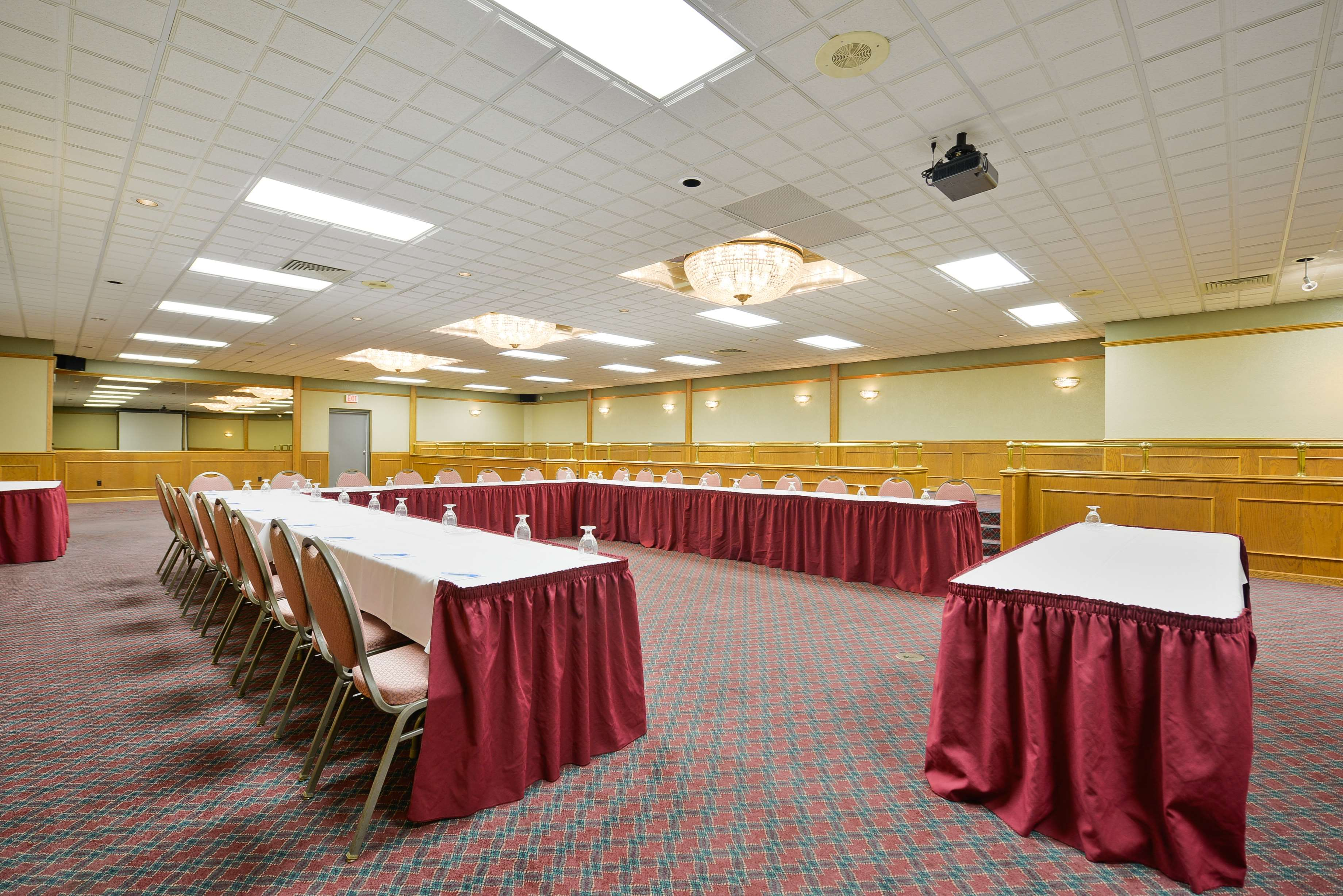 Best Western Green Bay Inn Conference Center image 45