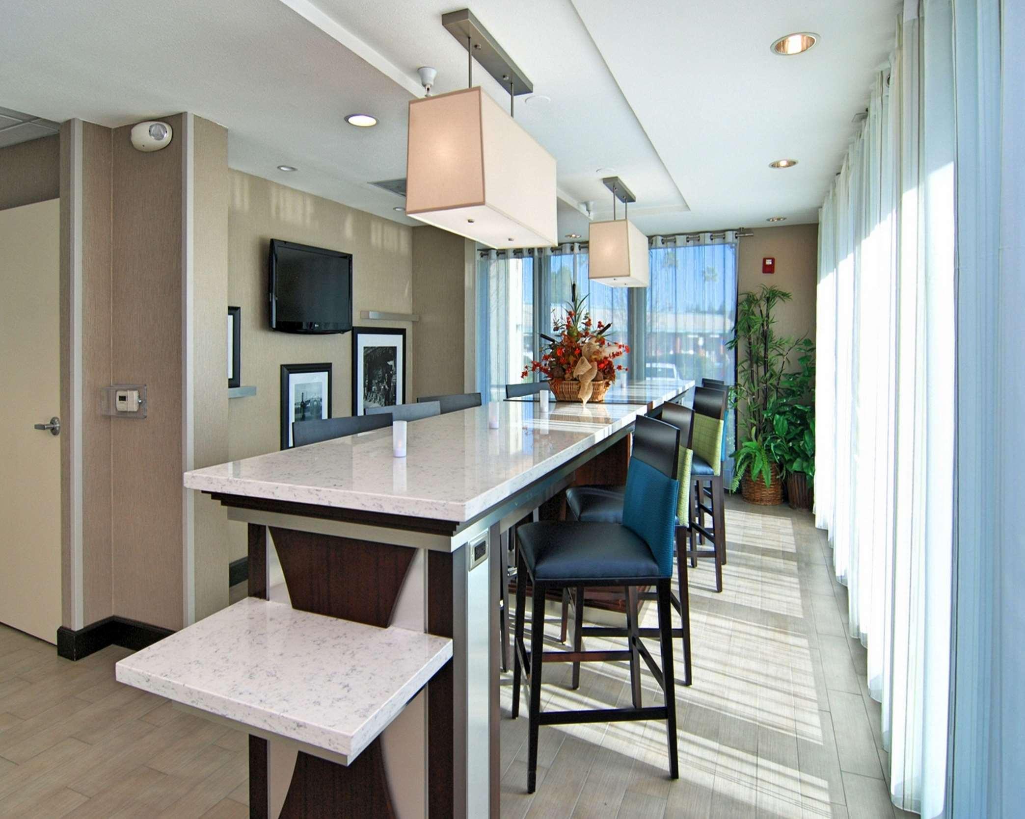 Hampton Inn & Suites Mountain View image 4
