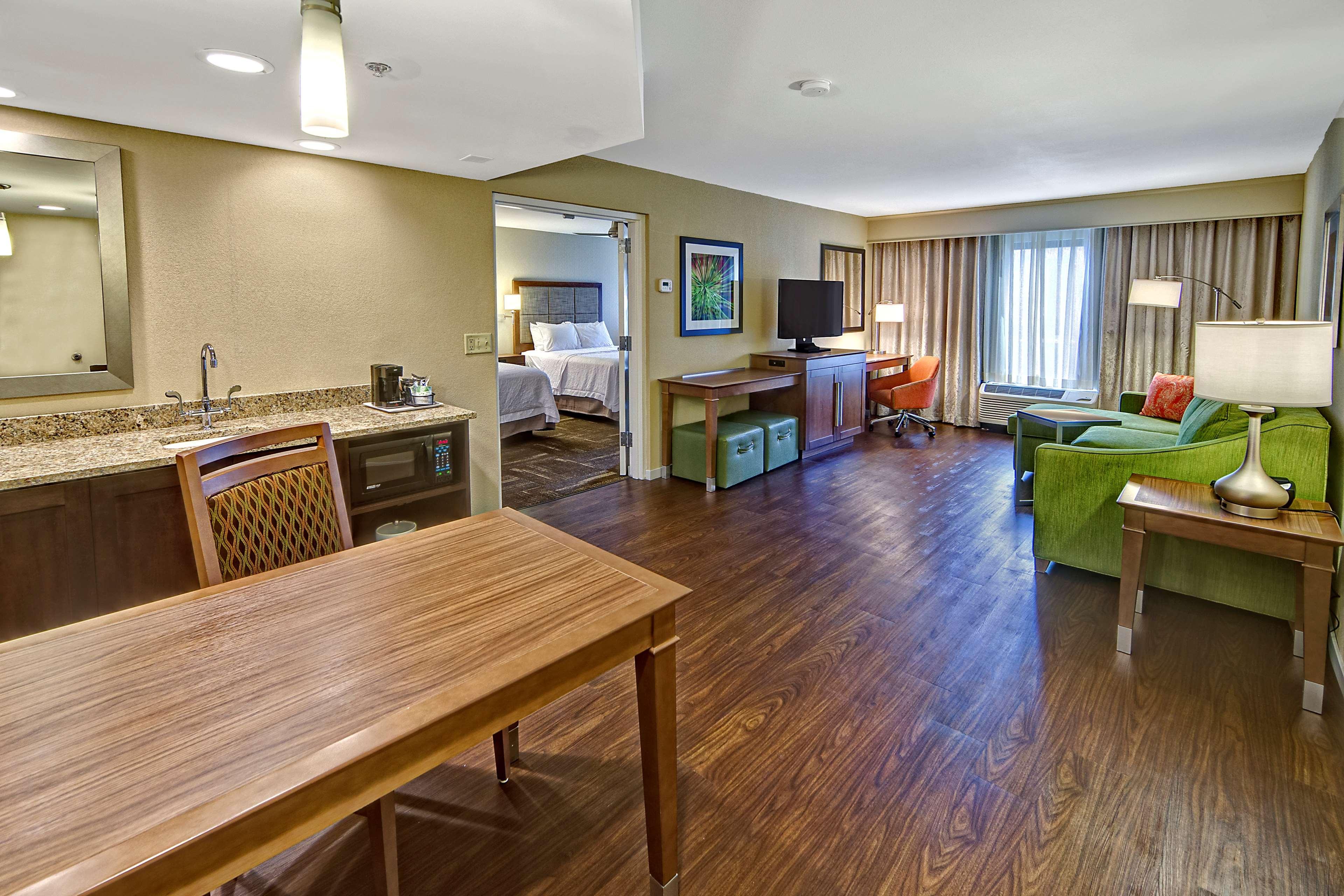 Hampton Inn & Suites Asheville-I-26 image 31