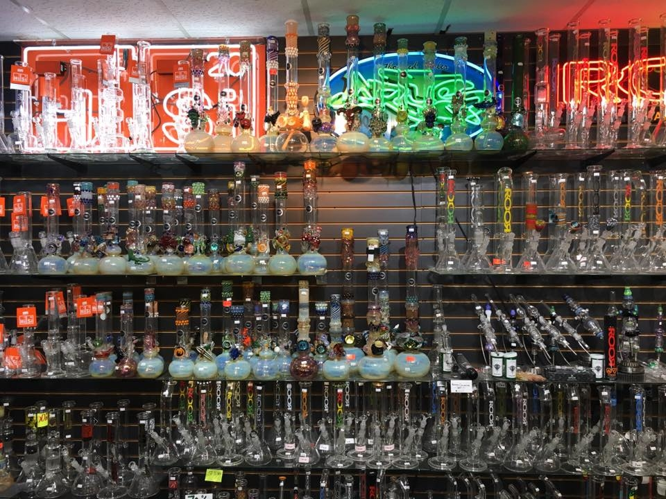 Outer Limits Smoke Shop image 4