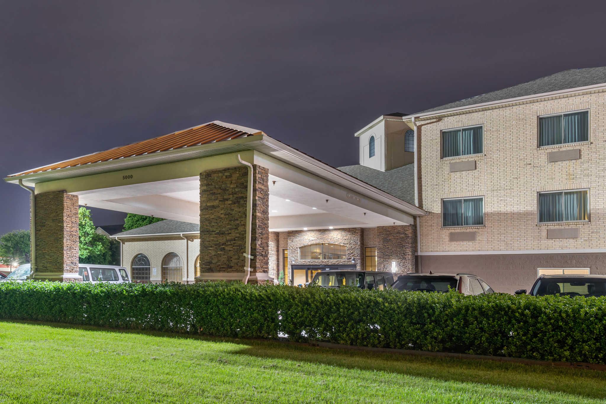 Comfort Inn DFW Airport North image 4