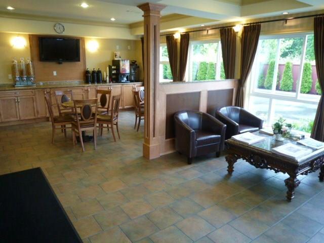 Best Western Peace Arch Inn in Surrey: Lobby