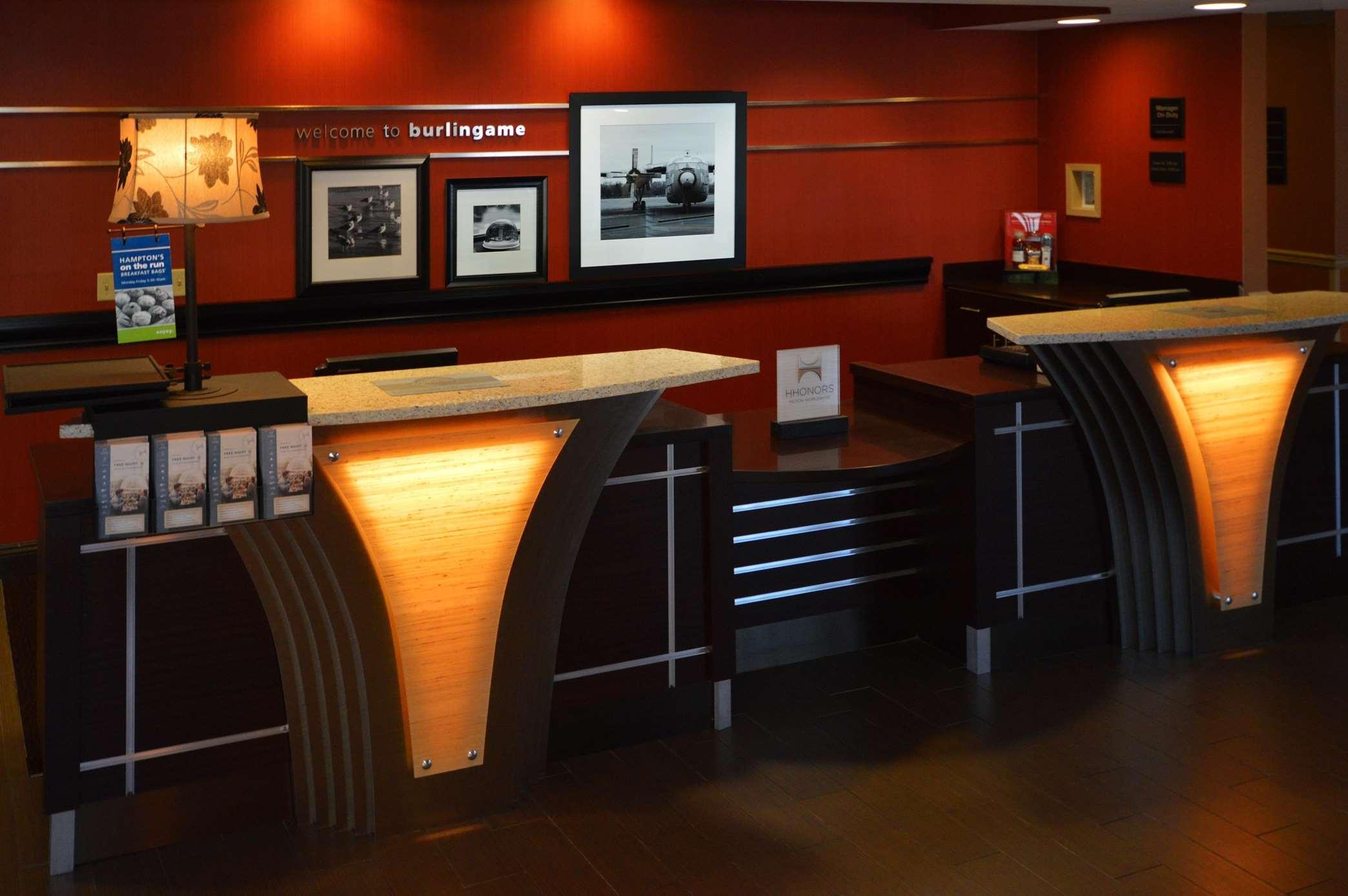 Hampton Inn & Suites San Francisco-Burlingame-Airport South image 3