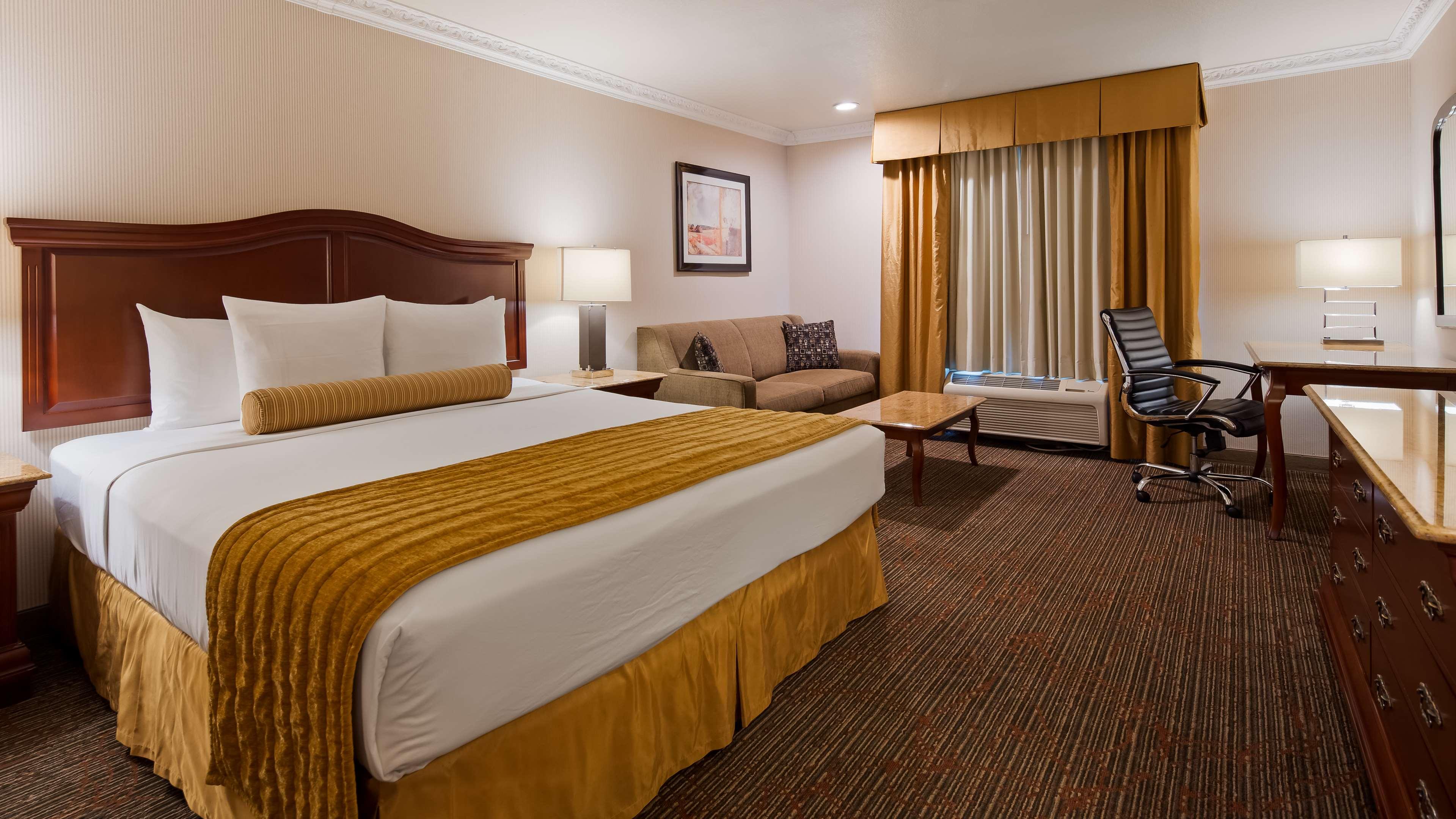 Best Western Plus Newport Mesa Inn image 11