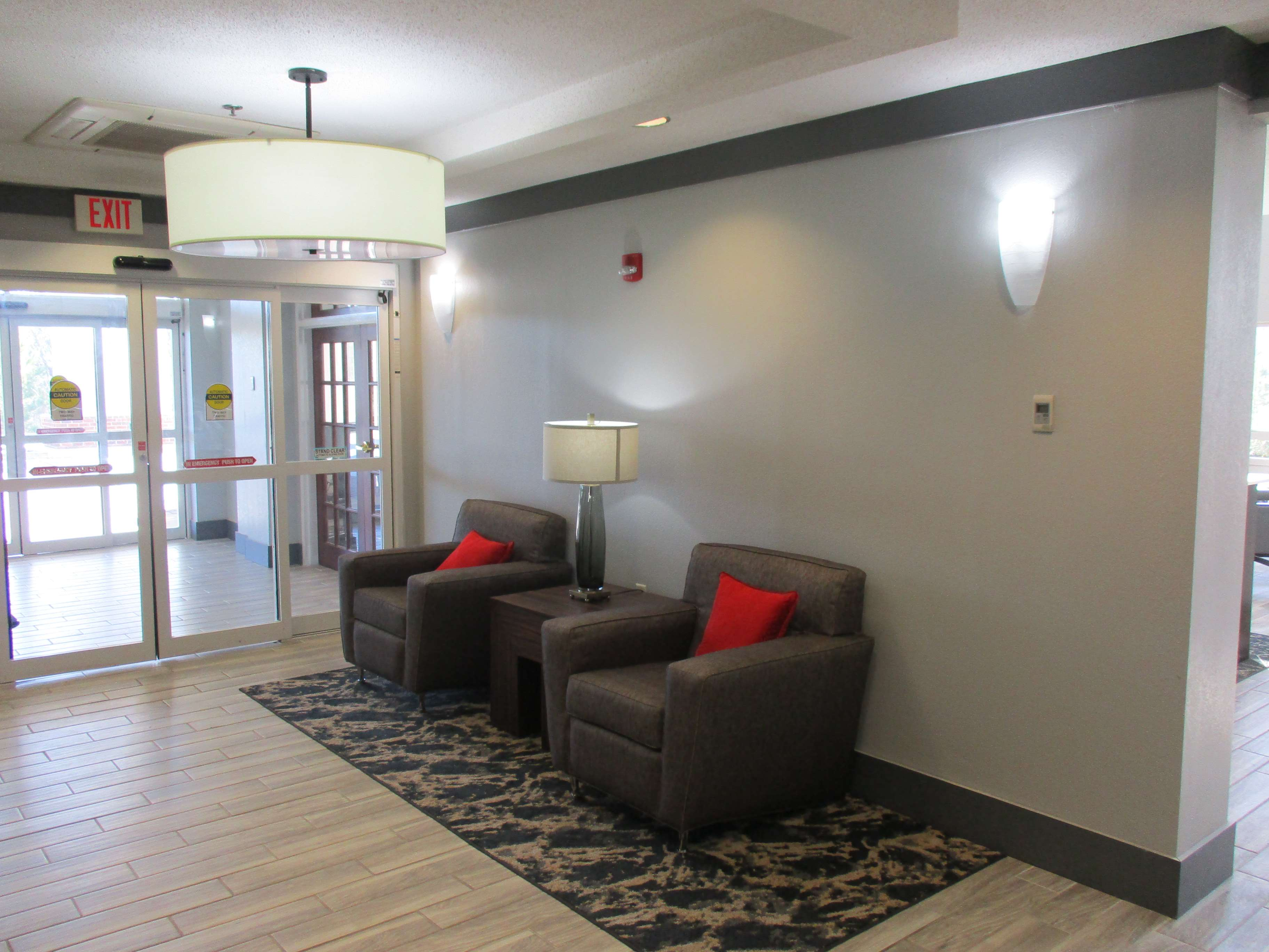 Best Western Plus Philadelphia-Choctaw Hotel and Suites image 3