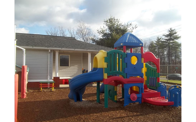 State College KinderCare image 16