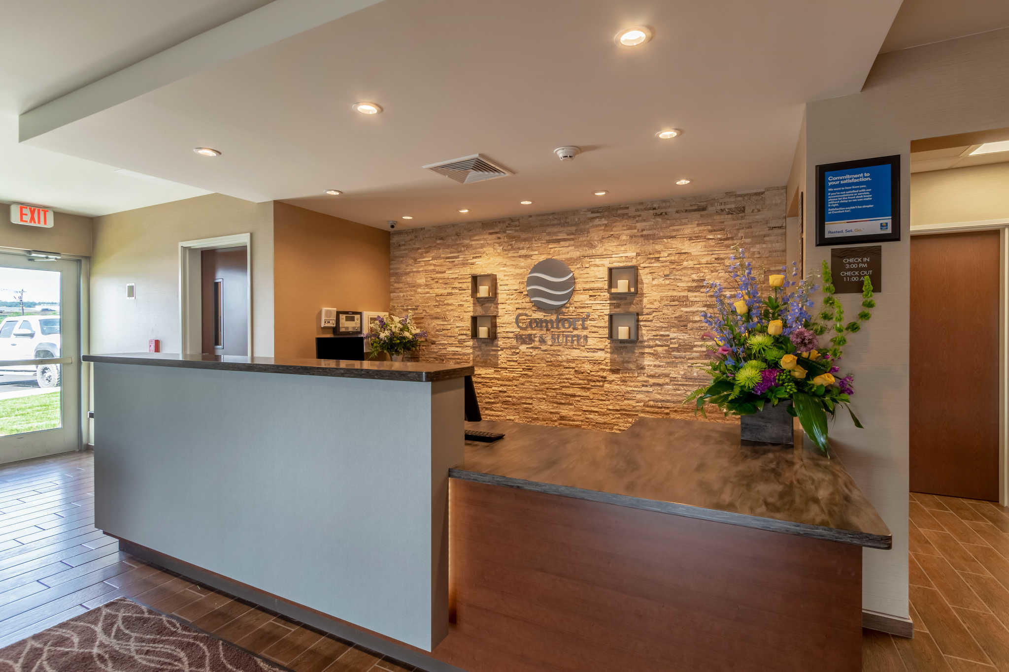 Comfort Inn & Suites - Harrisburg Airport - Hershey South image 5