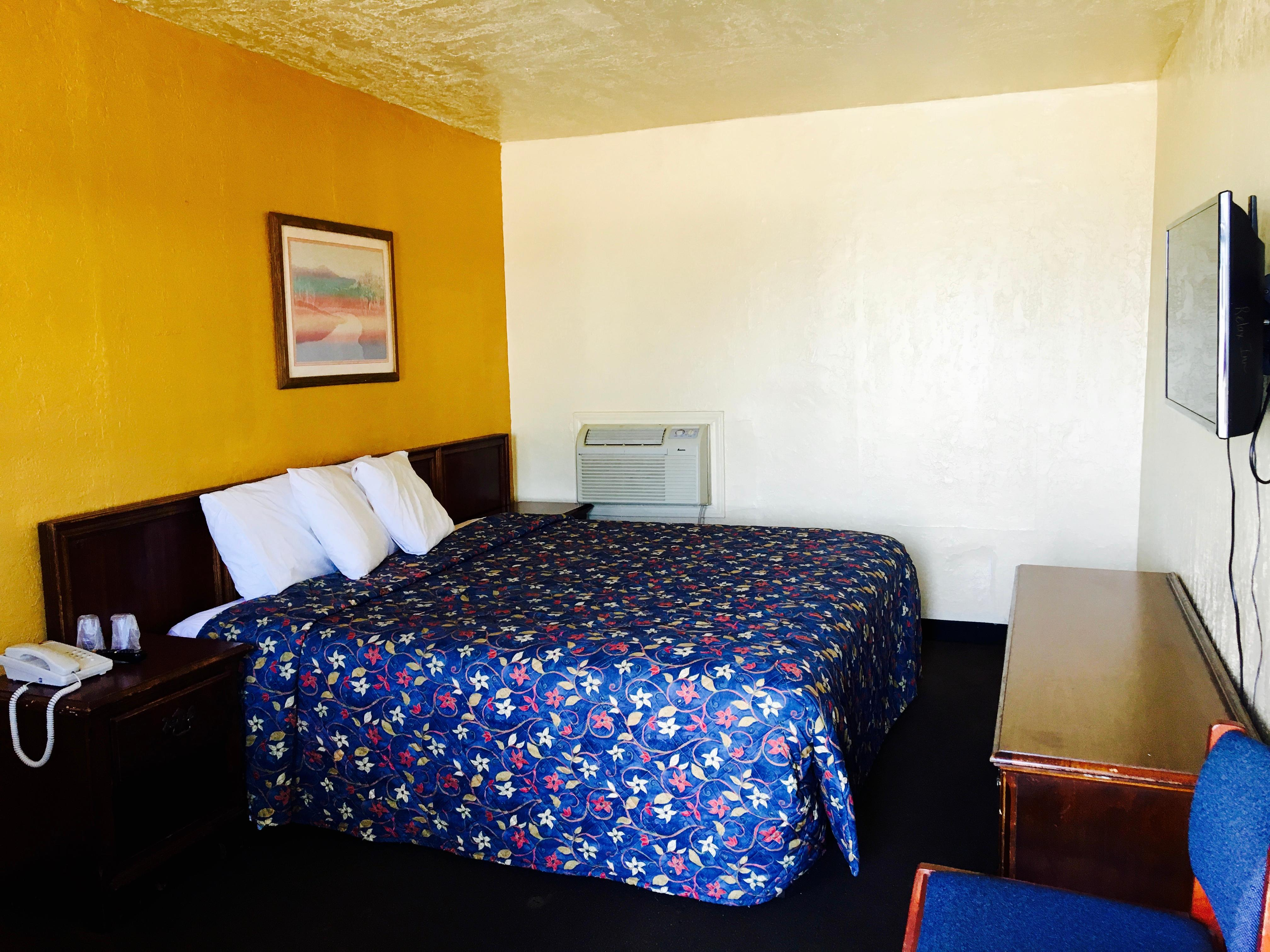 Relax Inn Lawton image 6
