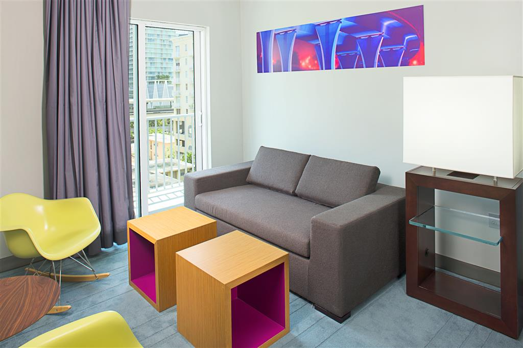 Aloft Miami - Brickell image 1