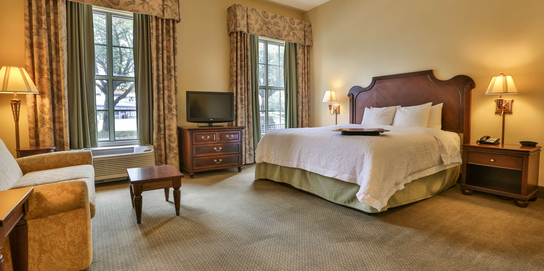 Hampton Inn & Suites Savannah Historic District image 37