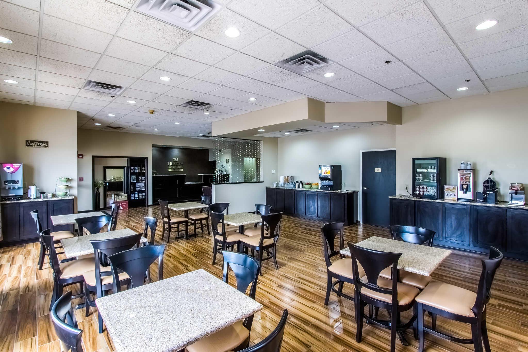 Quality Inn & Suites Moline - Quad Cities image 22