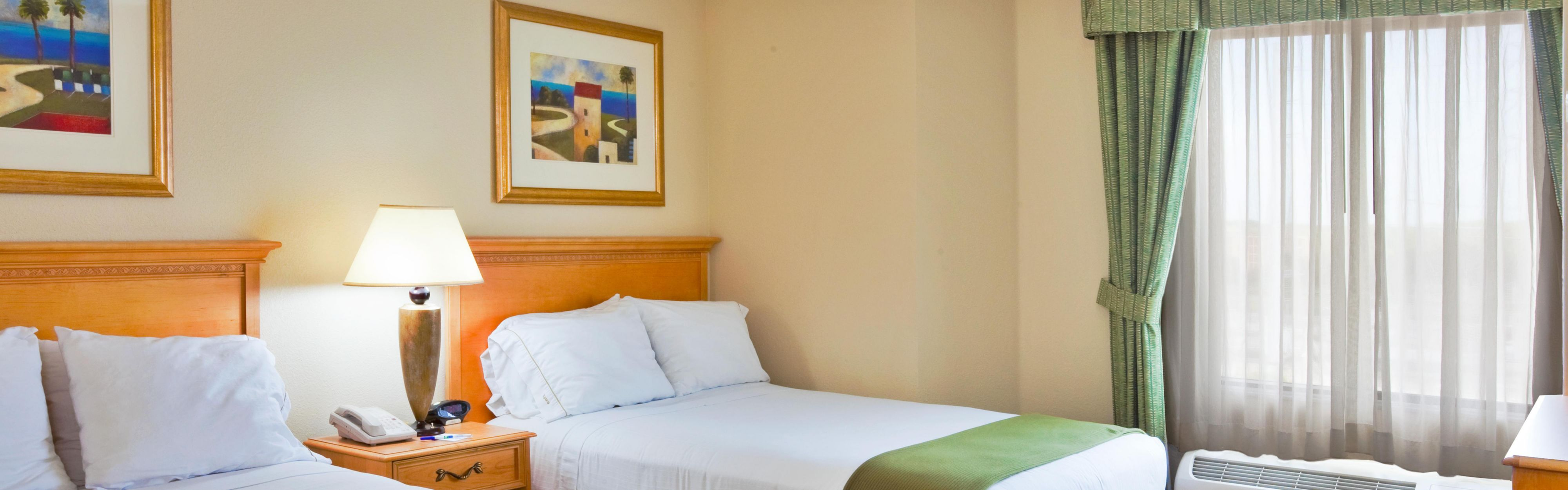 Holiday Inn Express & Suites Nearest Universal Orlando image 1