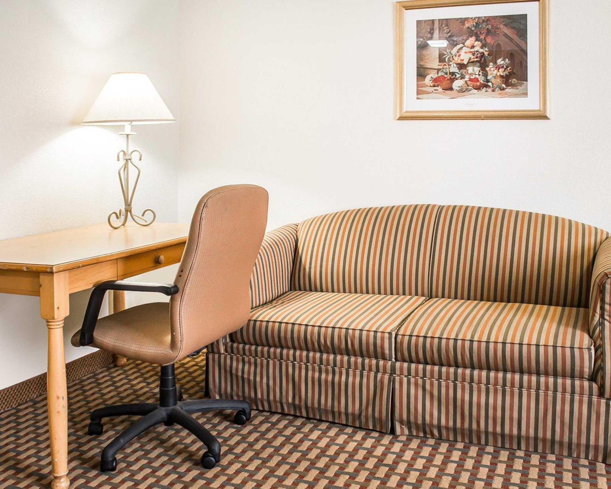 Quality Inn image 38