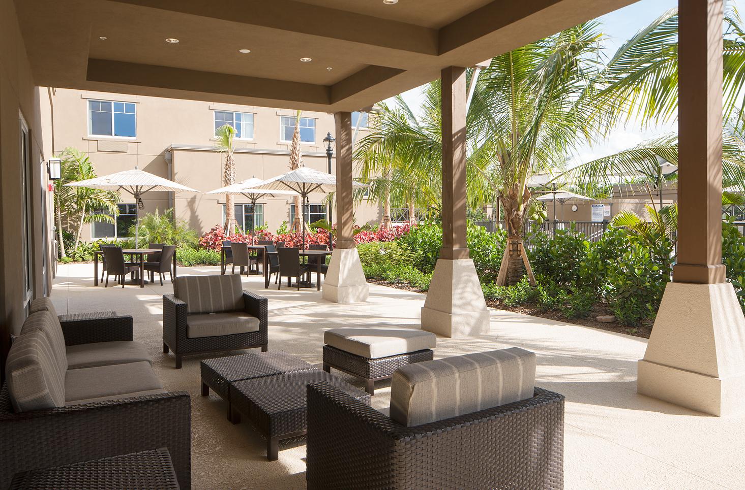 Courtyard by Marriott Palm Beach Jupiter image 12