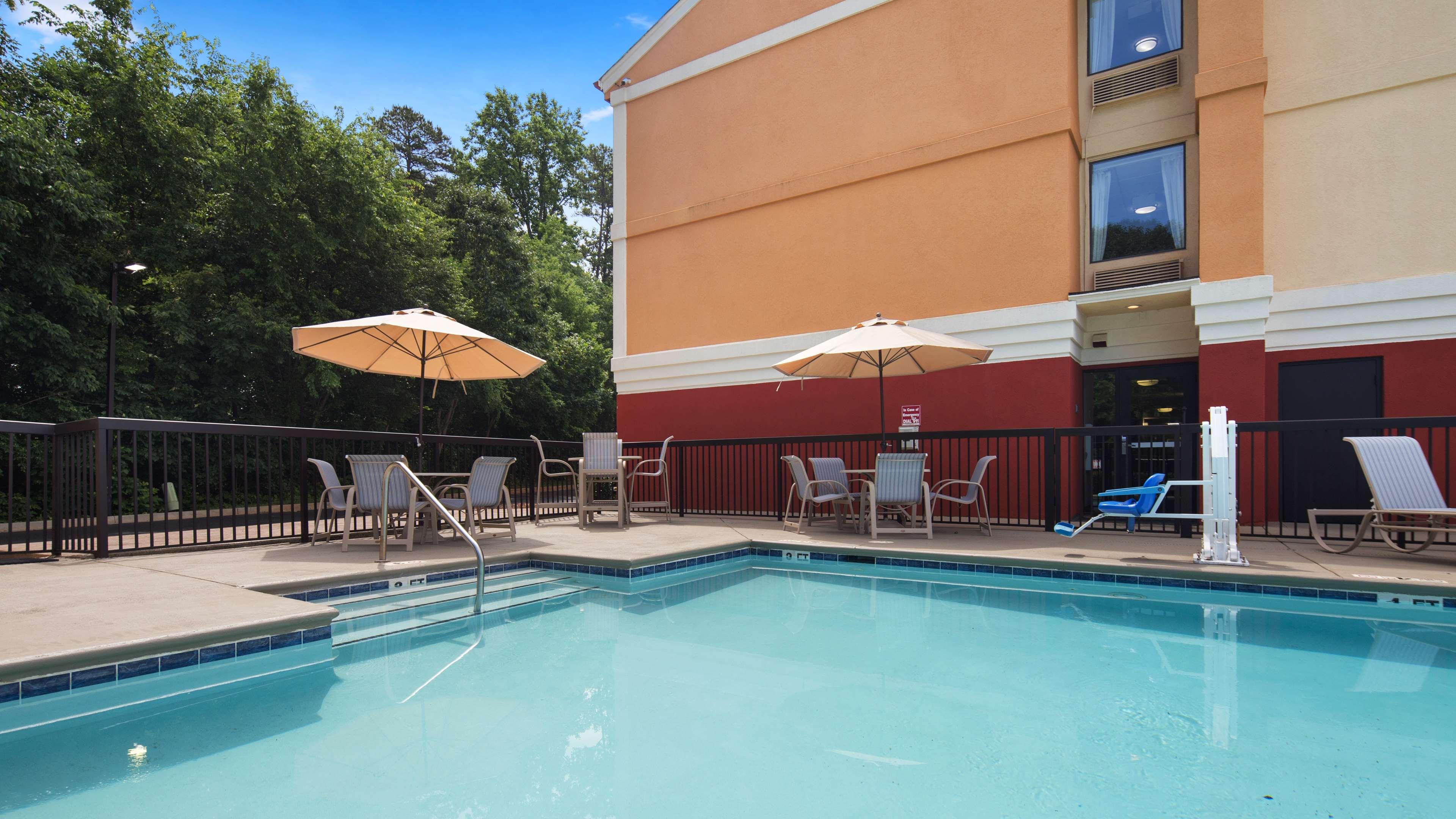 Best Western Plus Huntersville Inn & Suites Near Lake Norman image 5