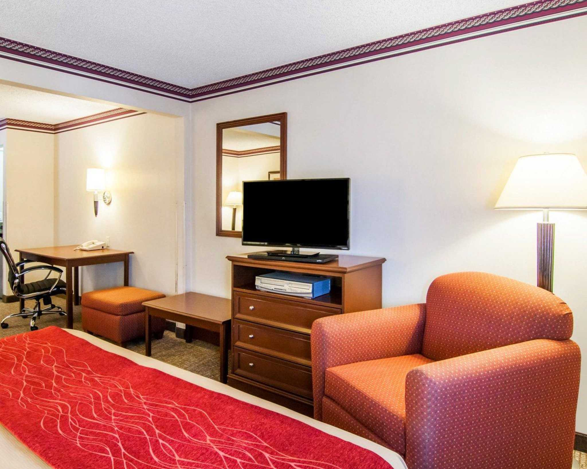 Comfort Inn North image 27