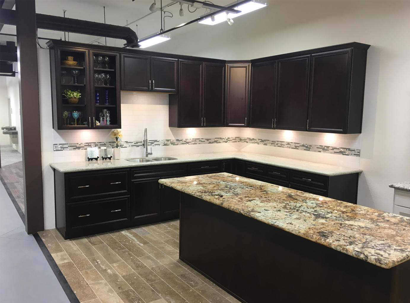 Superior stone and cabinet inc phoenix az company for Capital one kitchen cabinets