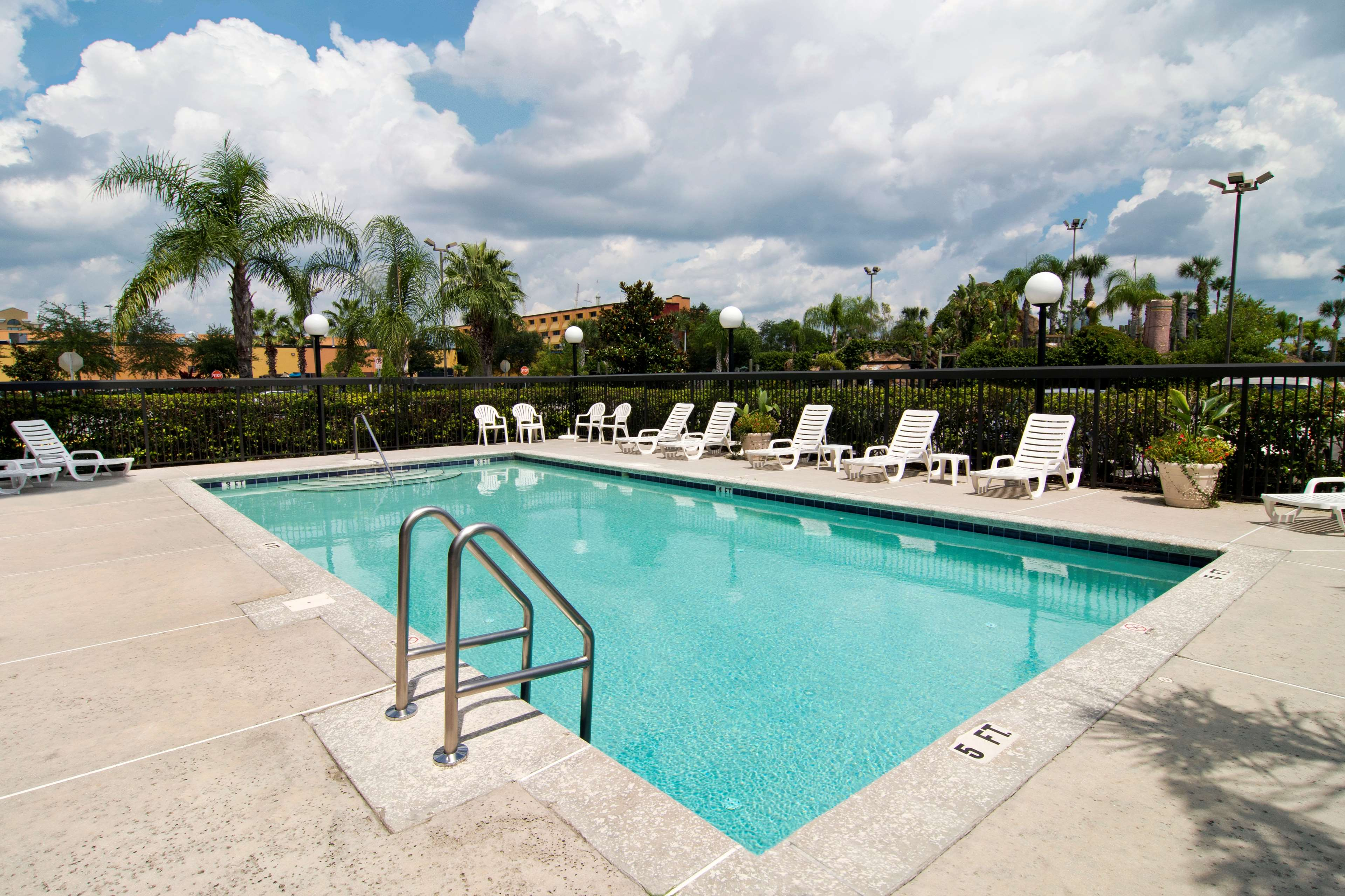 Hampton Inn & Suites Orlando Intl Dr N image 4