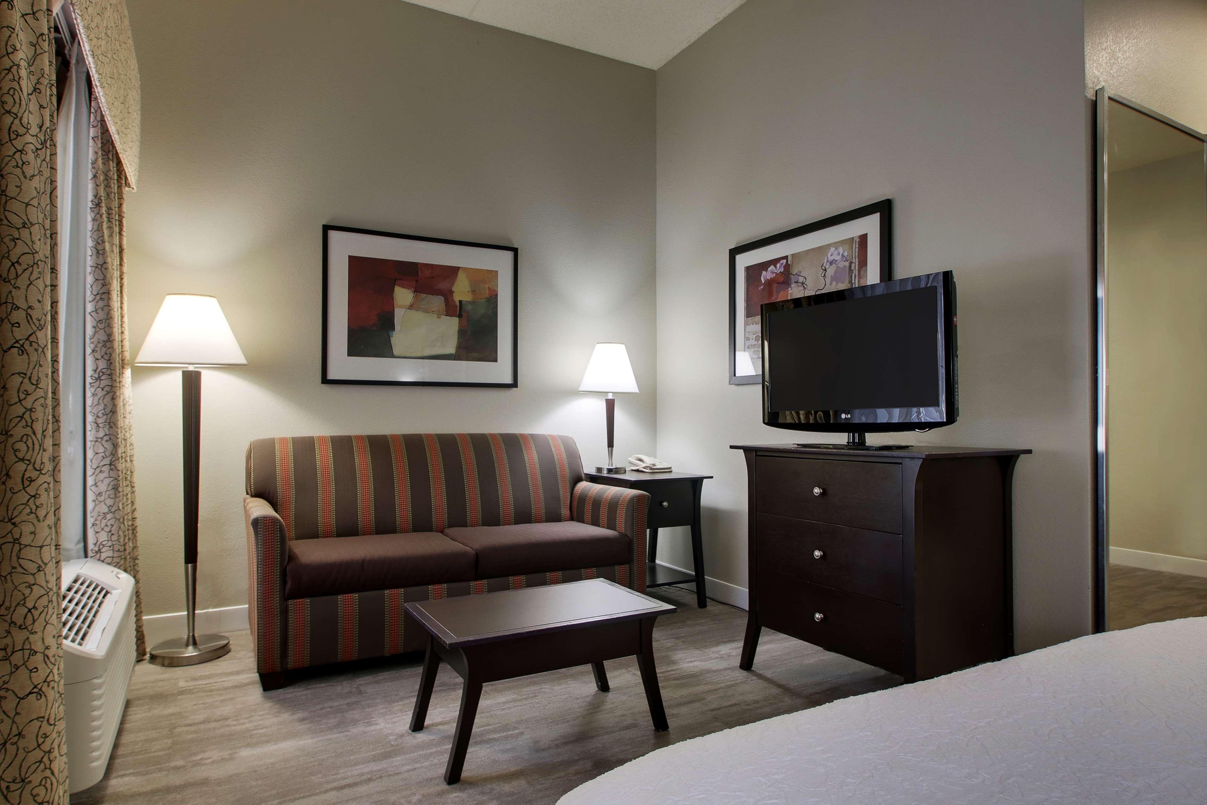 Hampton Inn & Suites Spartanburg-I-26-Westgate Mall image 38