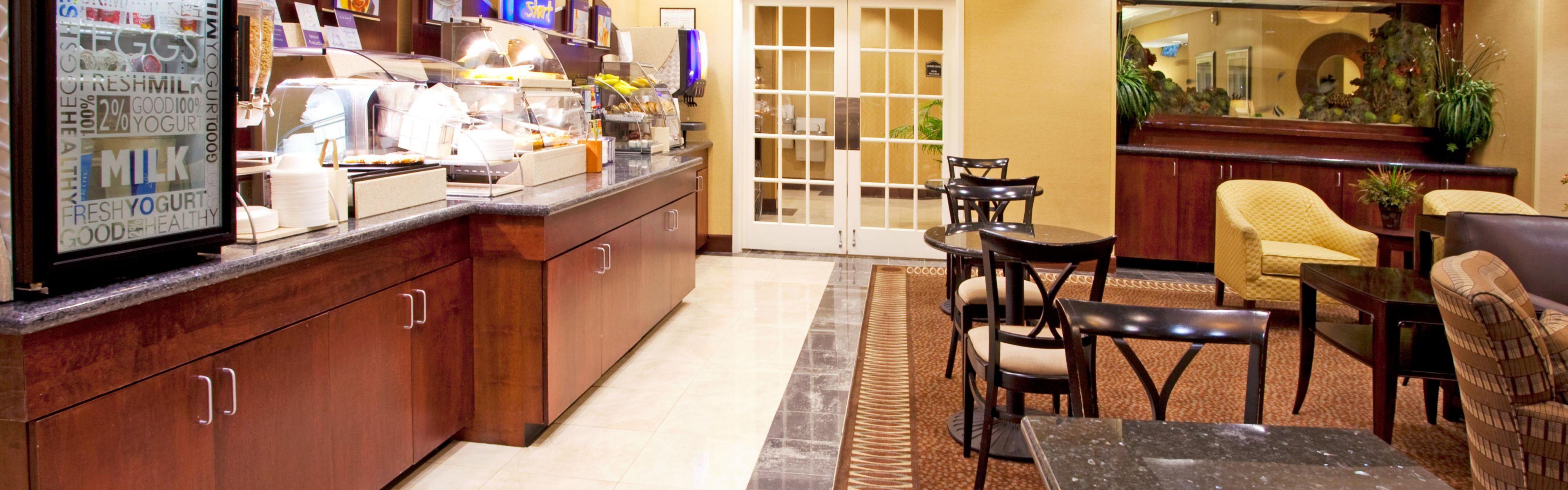 Holiday Inn Express & Suites Columbus At Northlake image 3