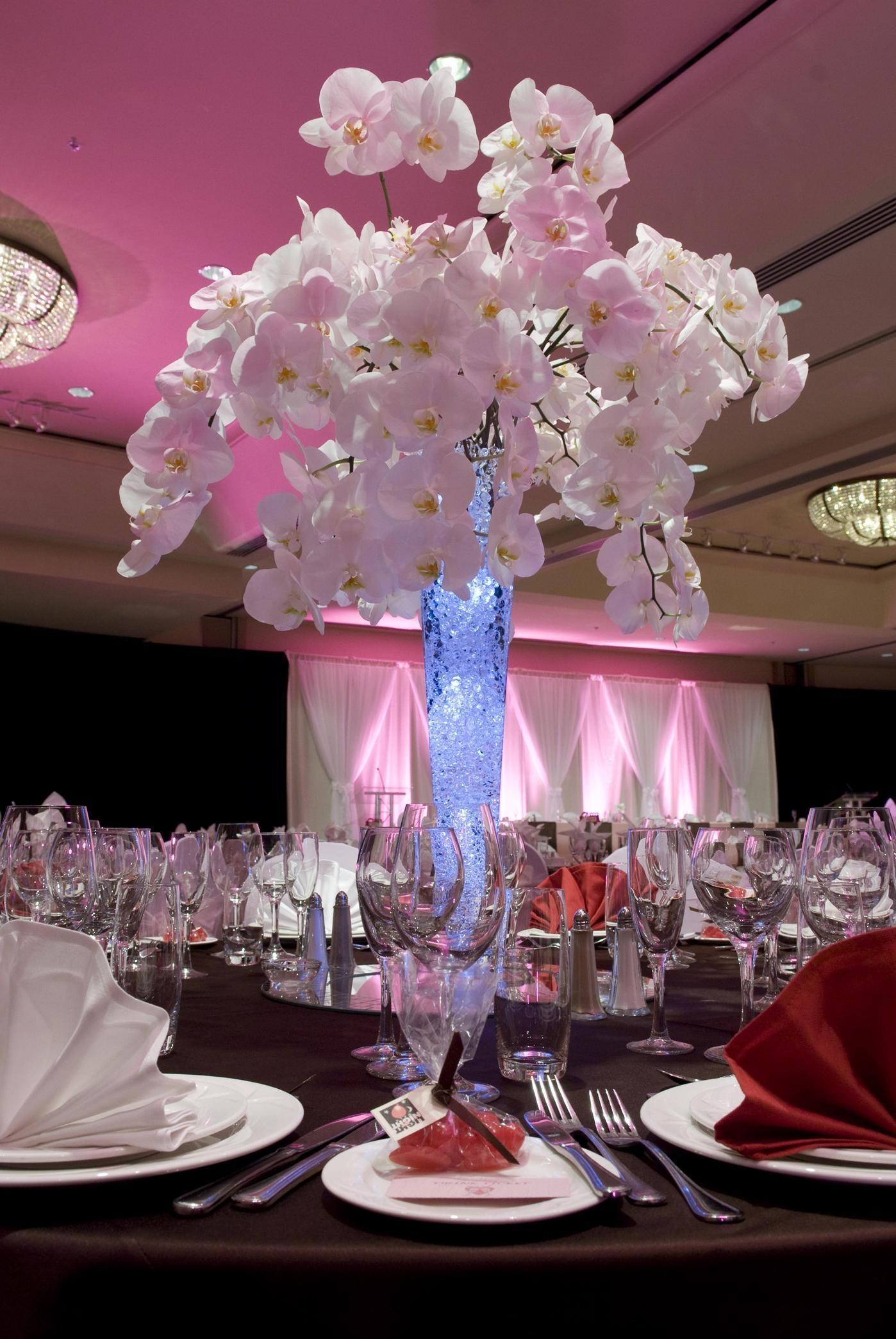 Hilton Vancouver Metrotown in Burnaby: Wedding Decor