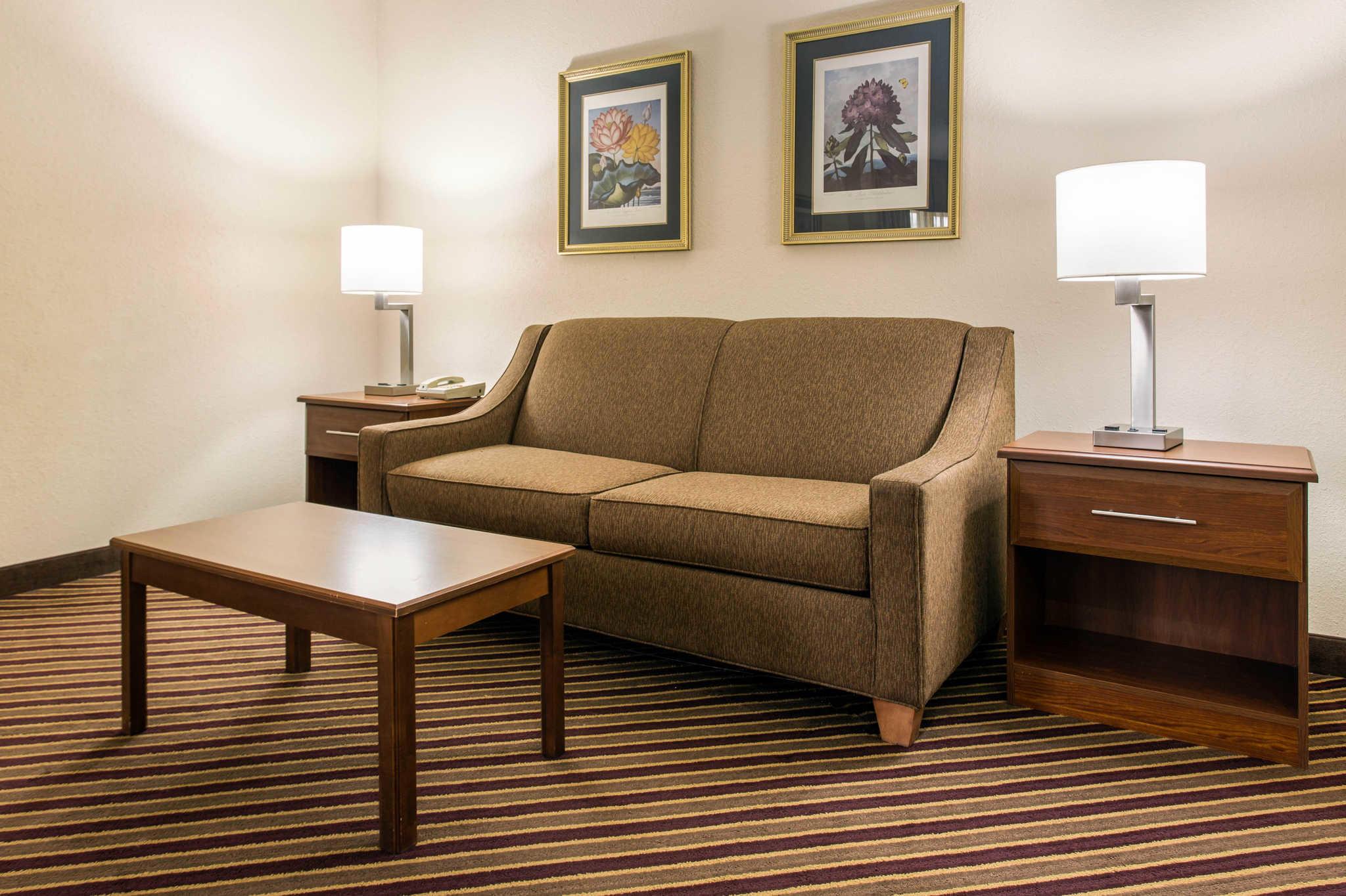 Comfort Inn & Suites Crabtree Valley image 17