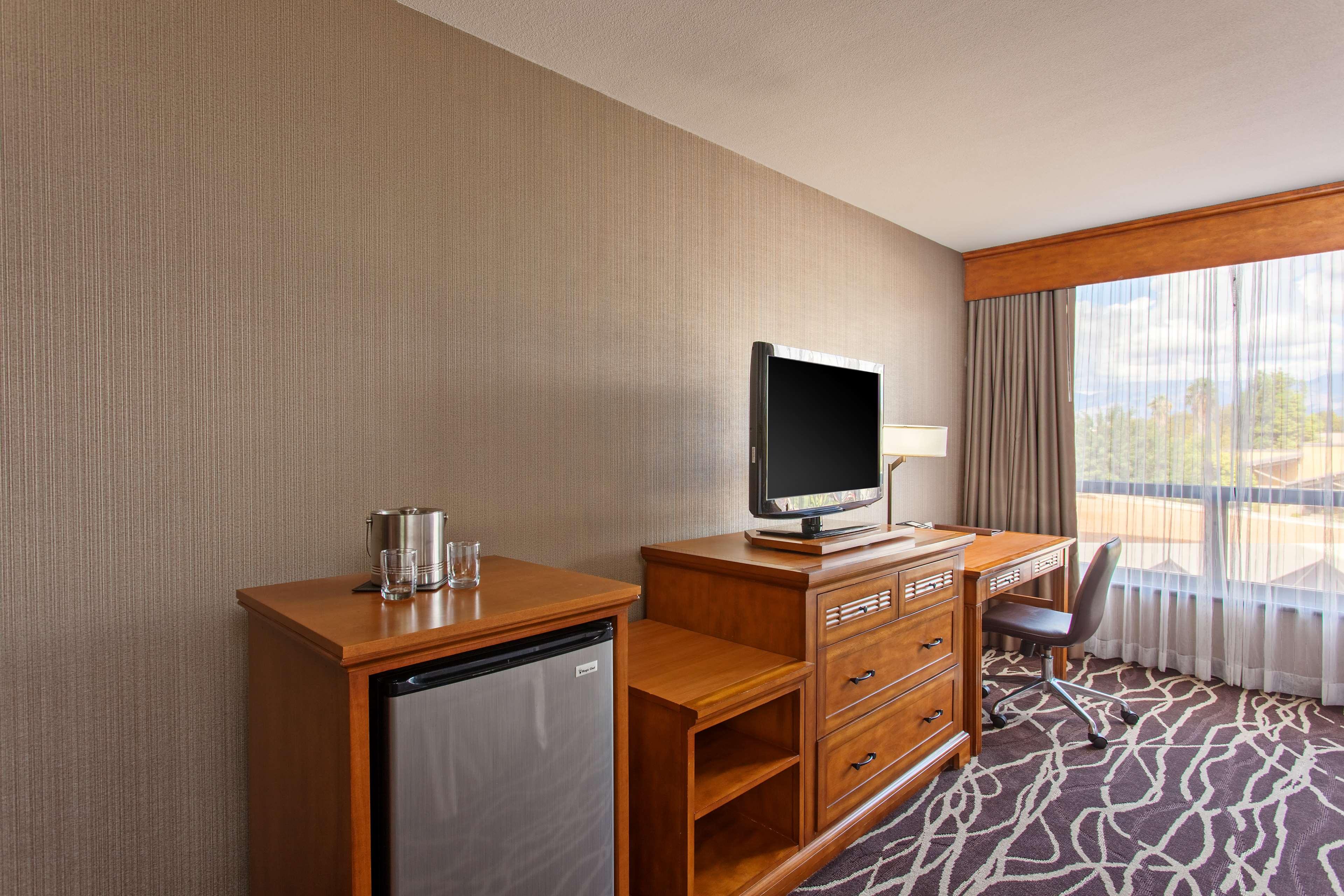 DoubleTree by Hilton Hotel San Bernardino image 28
