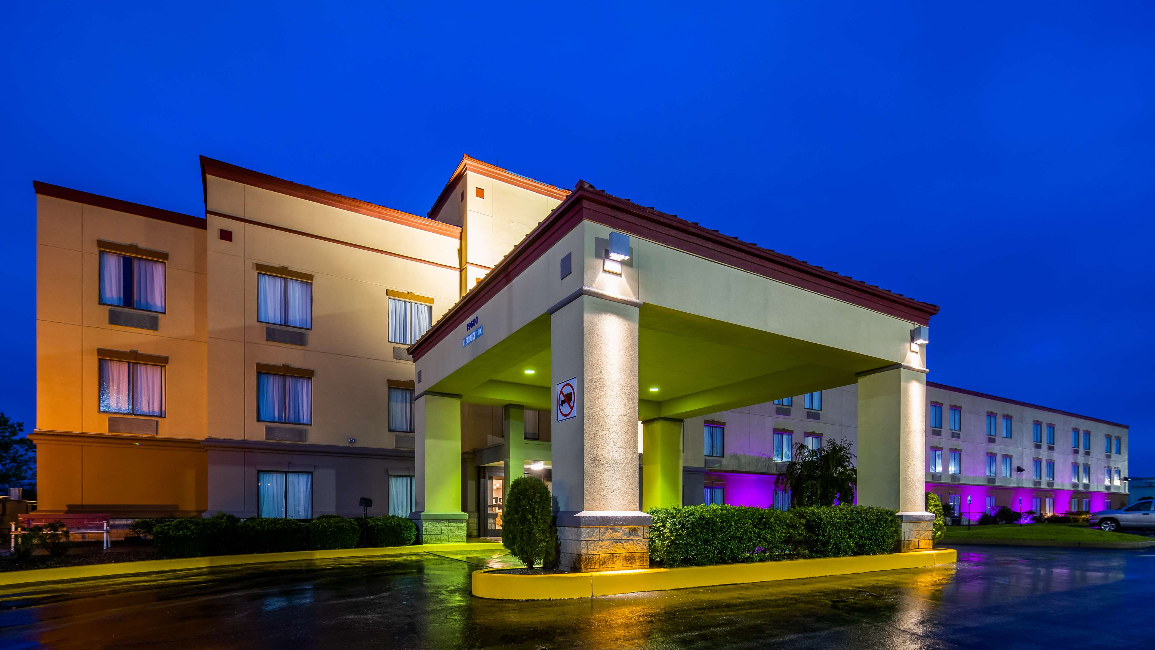 SureStay Plus Hotel by Best Western Evansville image 1
