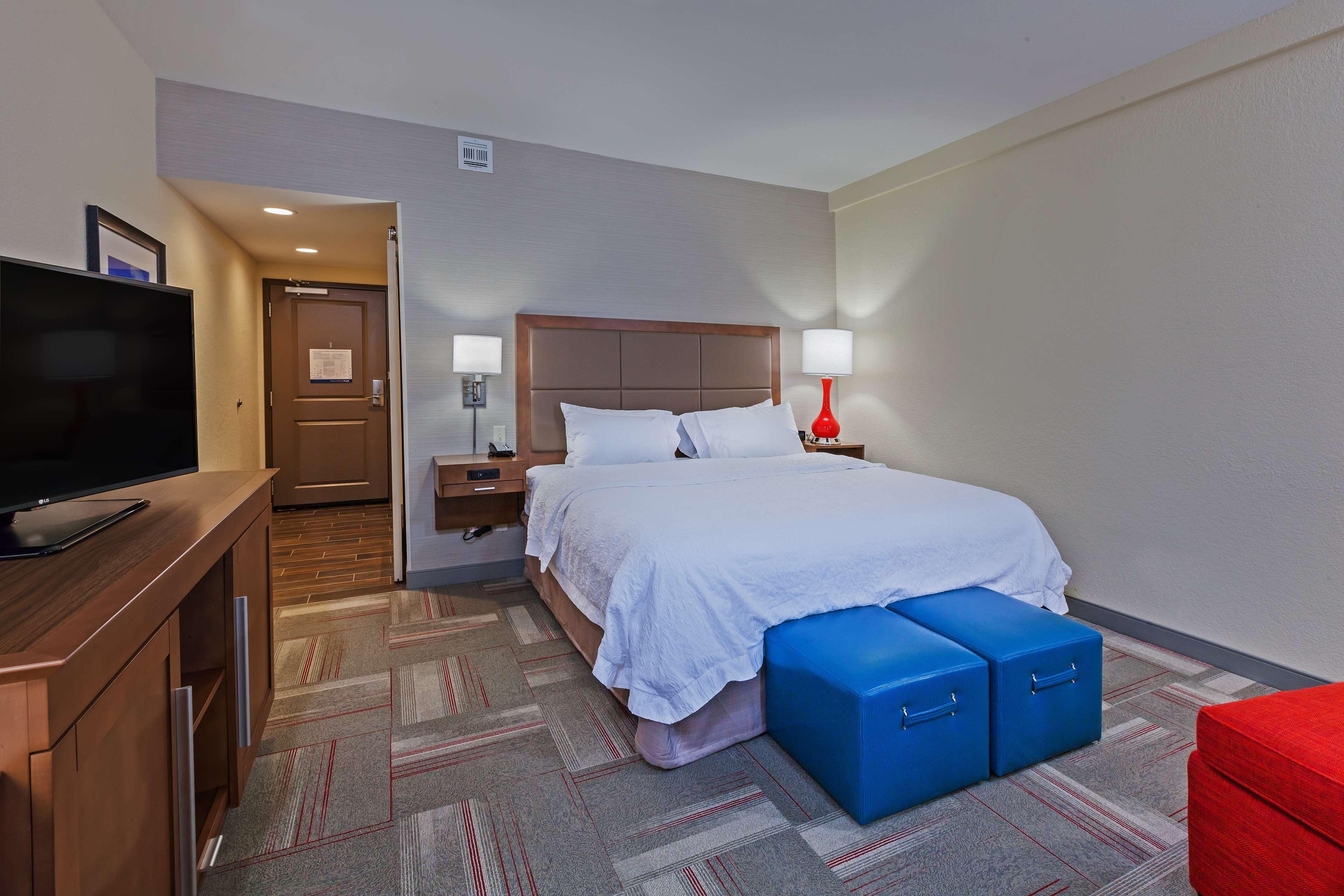 Hampton Inn & Suites Claremore image 28