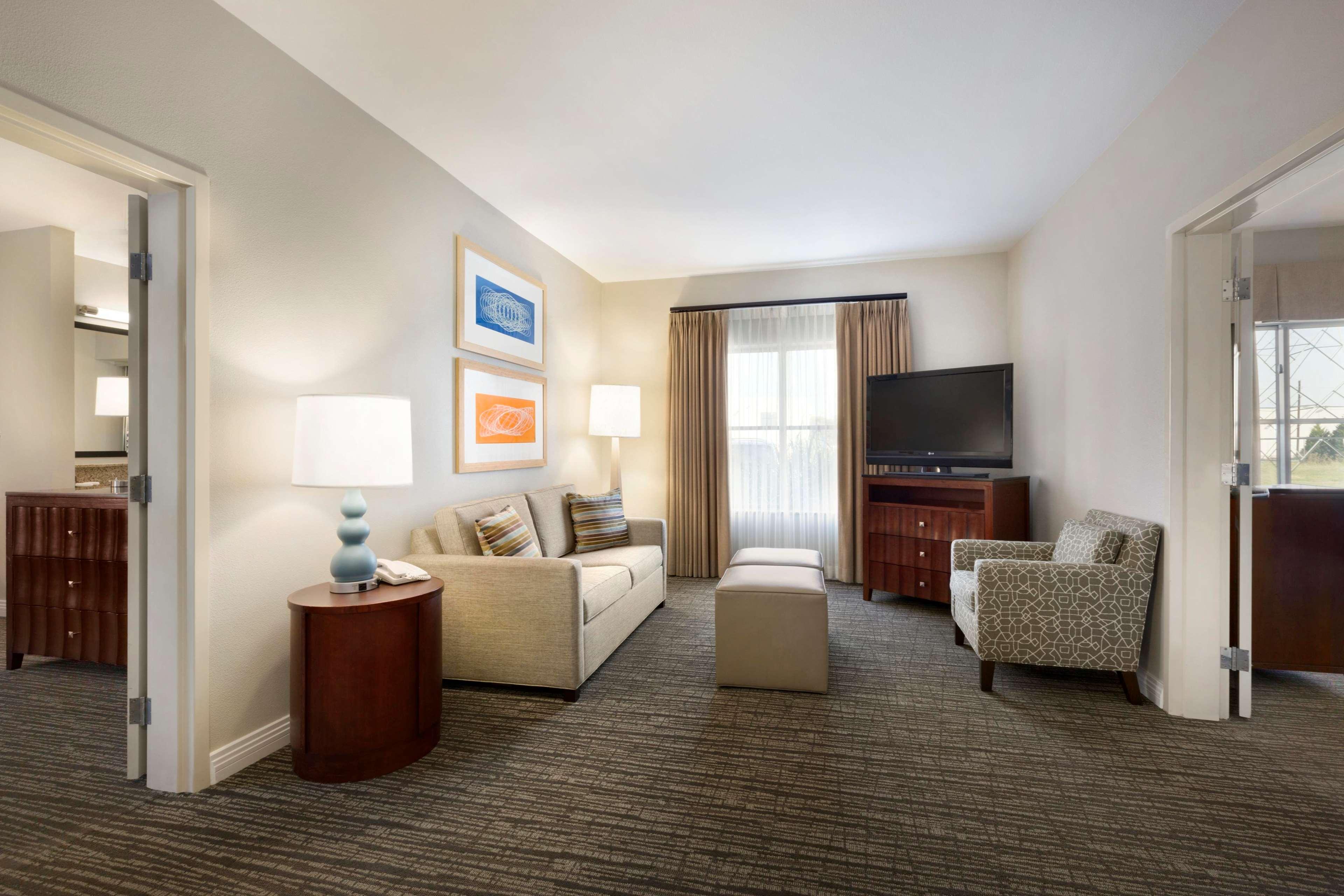 Homewood Suites by Hilton Plano-Richardson image 9