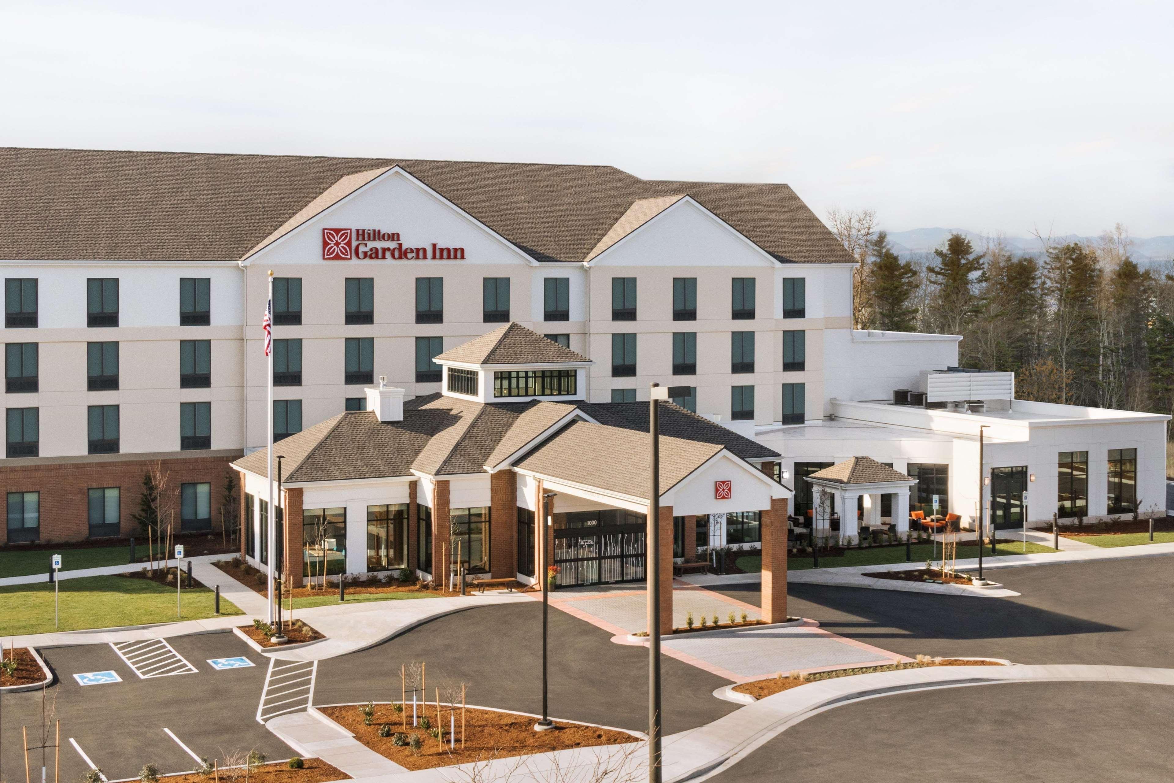 Hilton Garden Inn Medford image 10