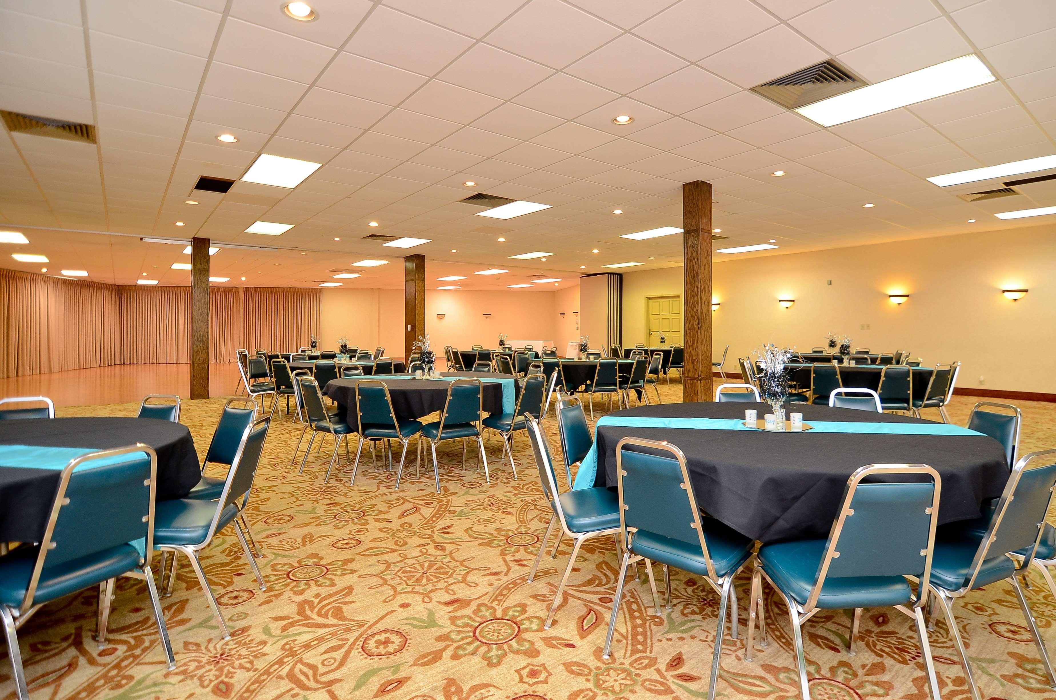 Best Western Plus Lawton Hotel & Convention Center image 27