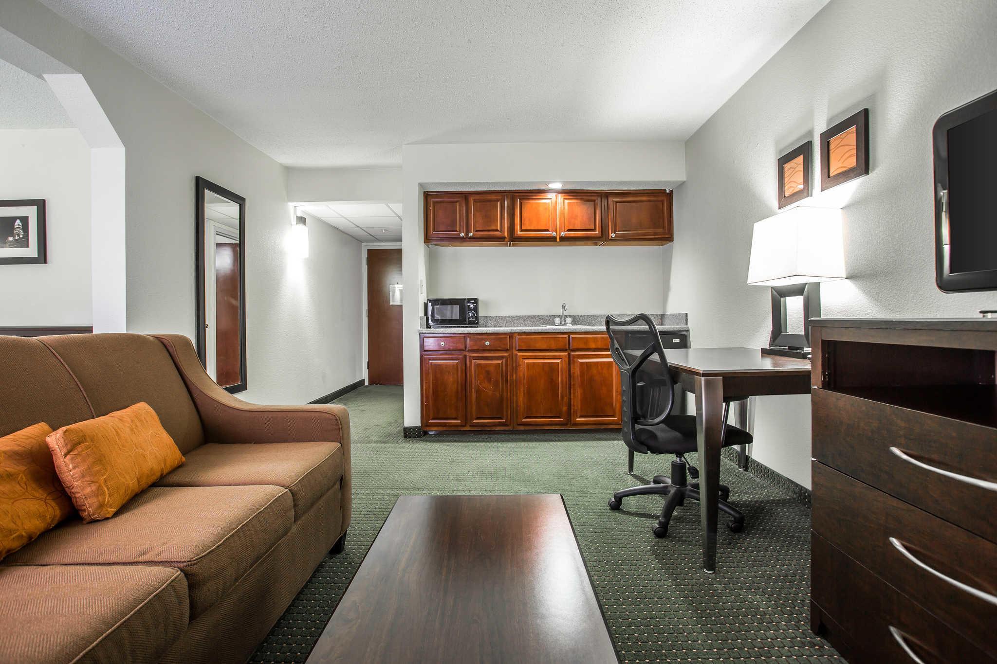 Comfort Inn & Suites Lake Norman image 17