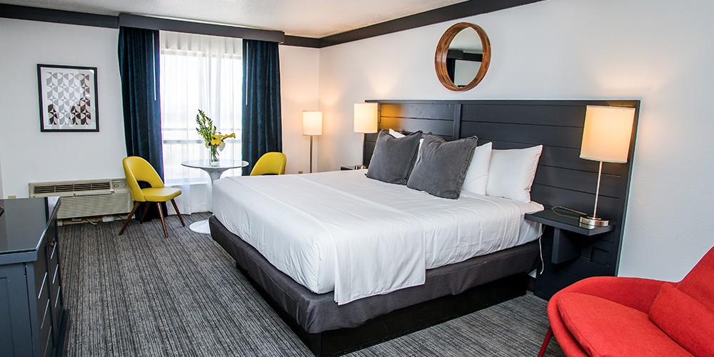 rooms in las silverton room thumb packages hotel casino thumn stay vegas suites